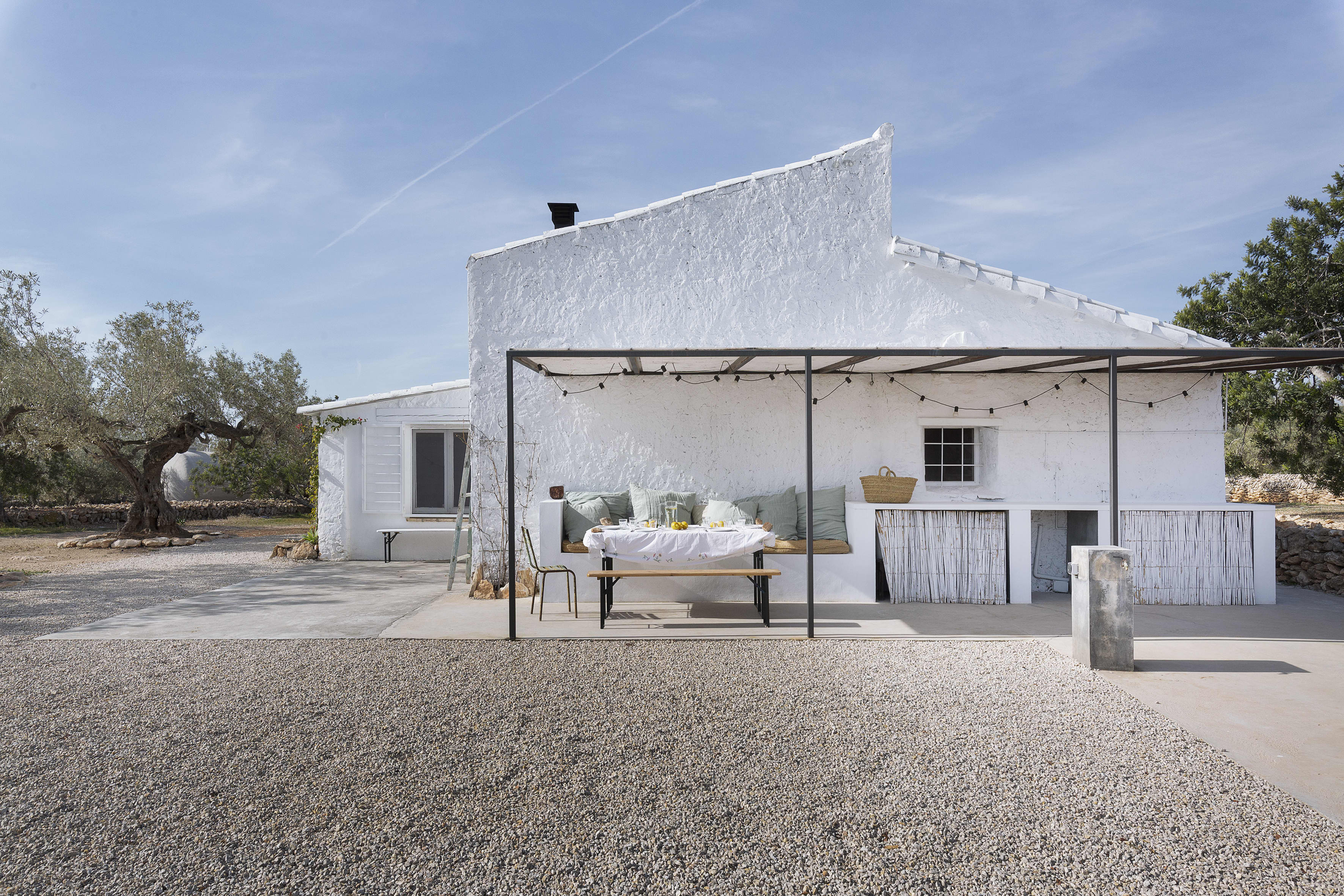 If 'Mediterranean Minimalism' Is a Thing, This Dream House in Spain Is It
