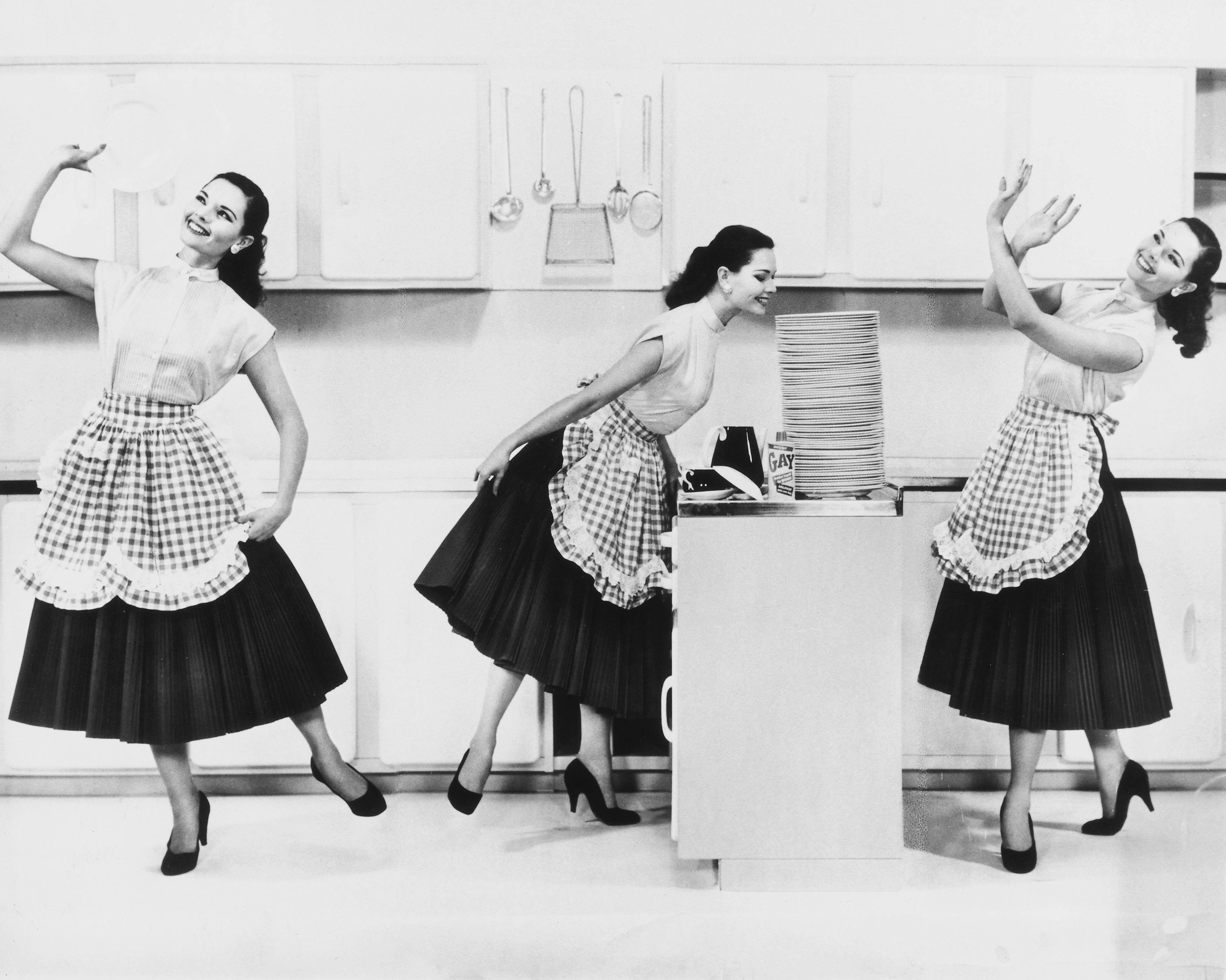 I Kept Up With a 1950's Cleaning Schedule for a Week—and I'm Exhausted