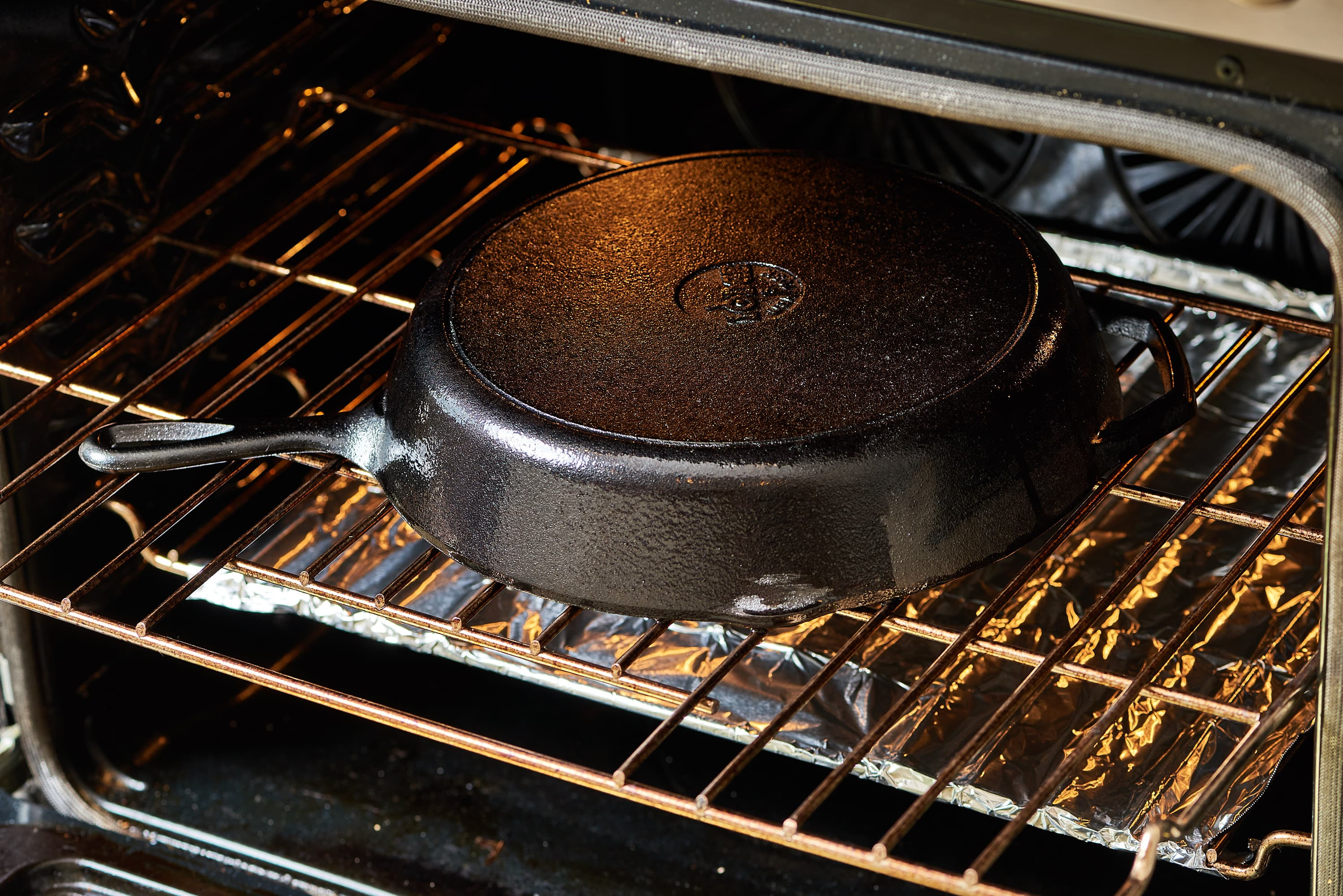 how to season a cast iron skillet in the oven
