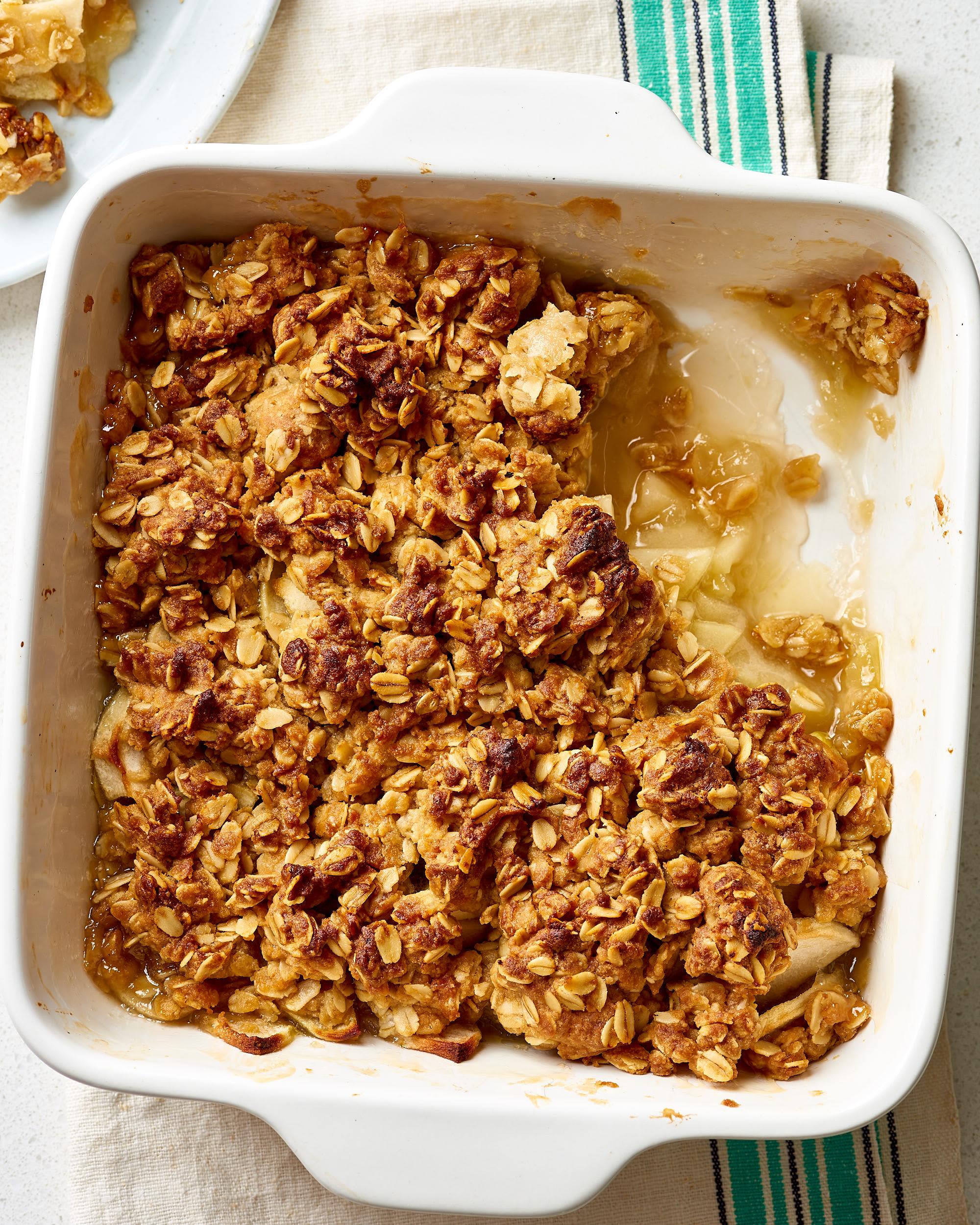 How To Make the Best, Easiest Apple Crisp