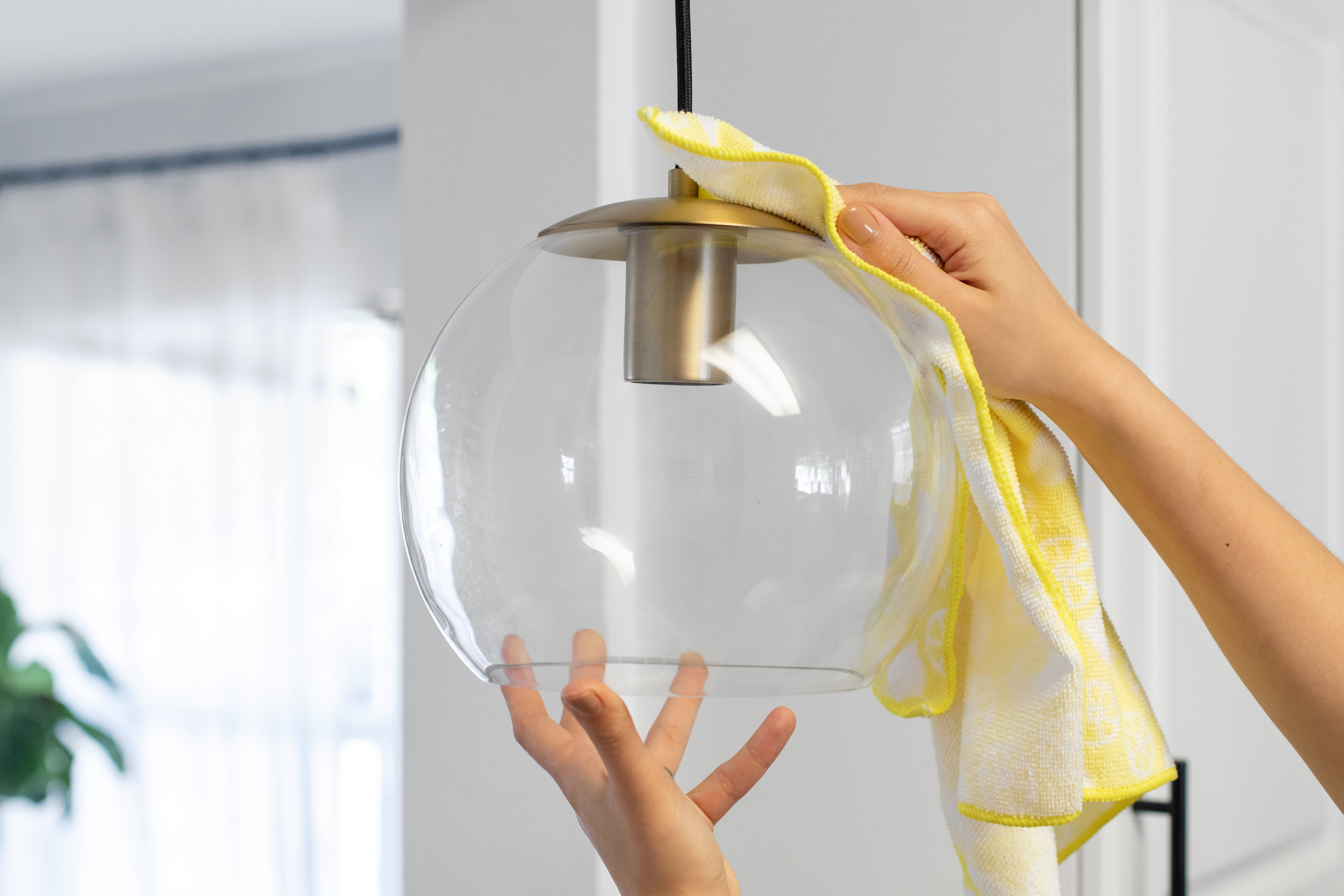 How To Clean Those Greasy Glass Shades on Your Kitchen's Pendant Lights: gallery image 5