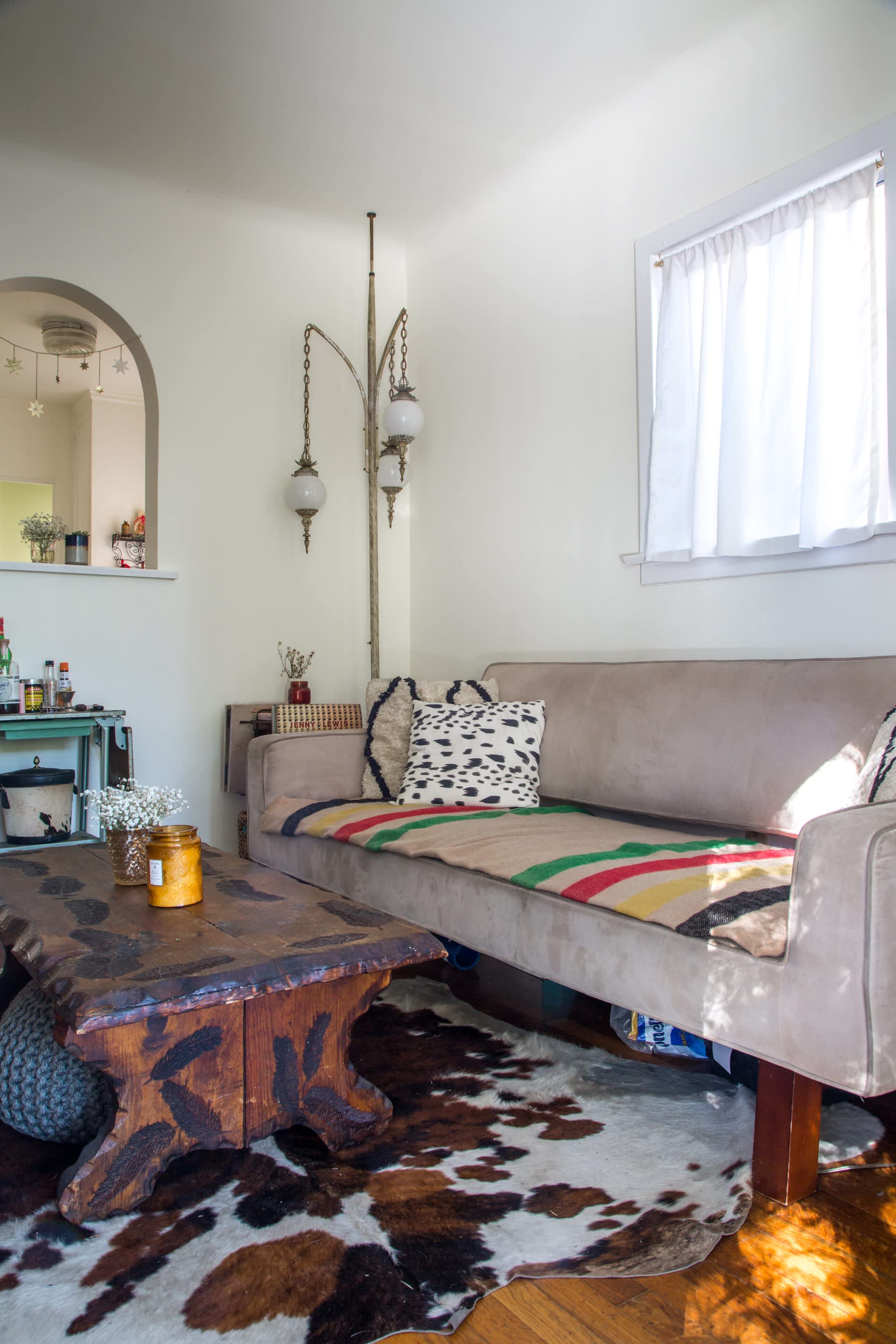 House Tour Vintage Inspired Echo Park Charmer Apartment Therapy