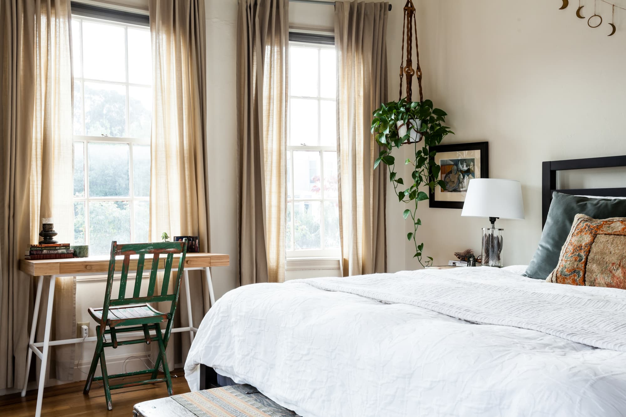 Goodbye Bachelor Pad: Tour a Couple's Cozy Apartment in ...