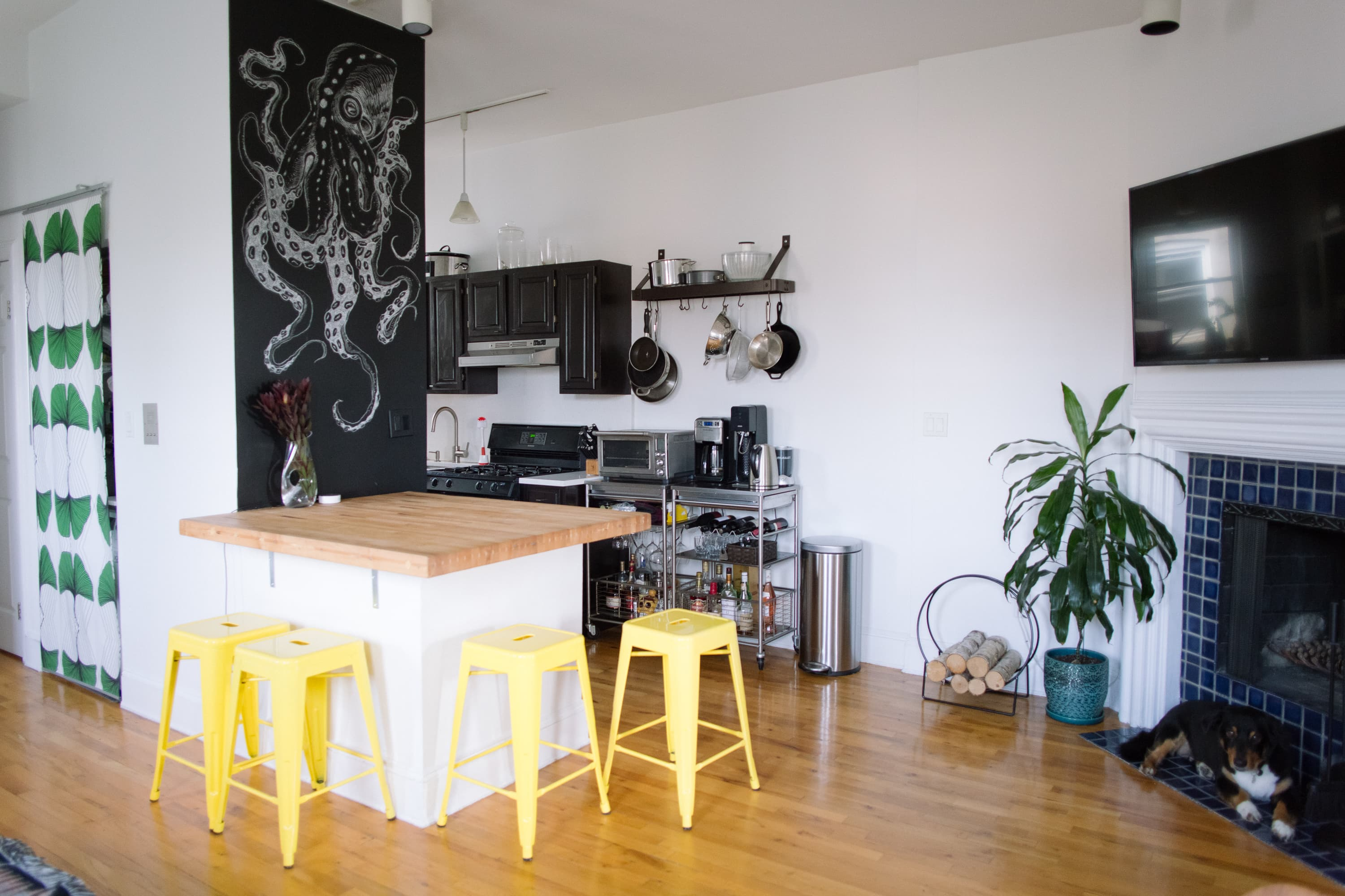 House Tour: A Brooklyn Apartment Streamlined for a Small ...