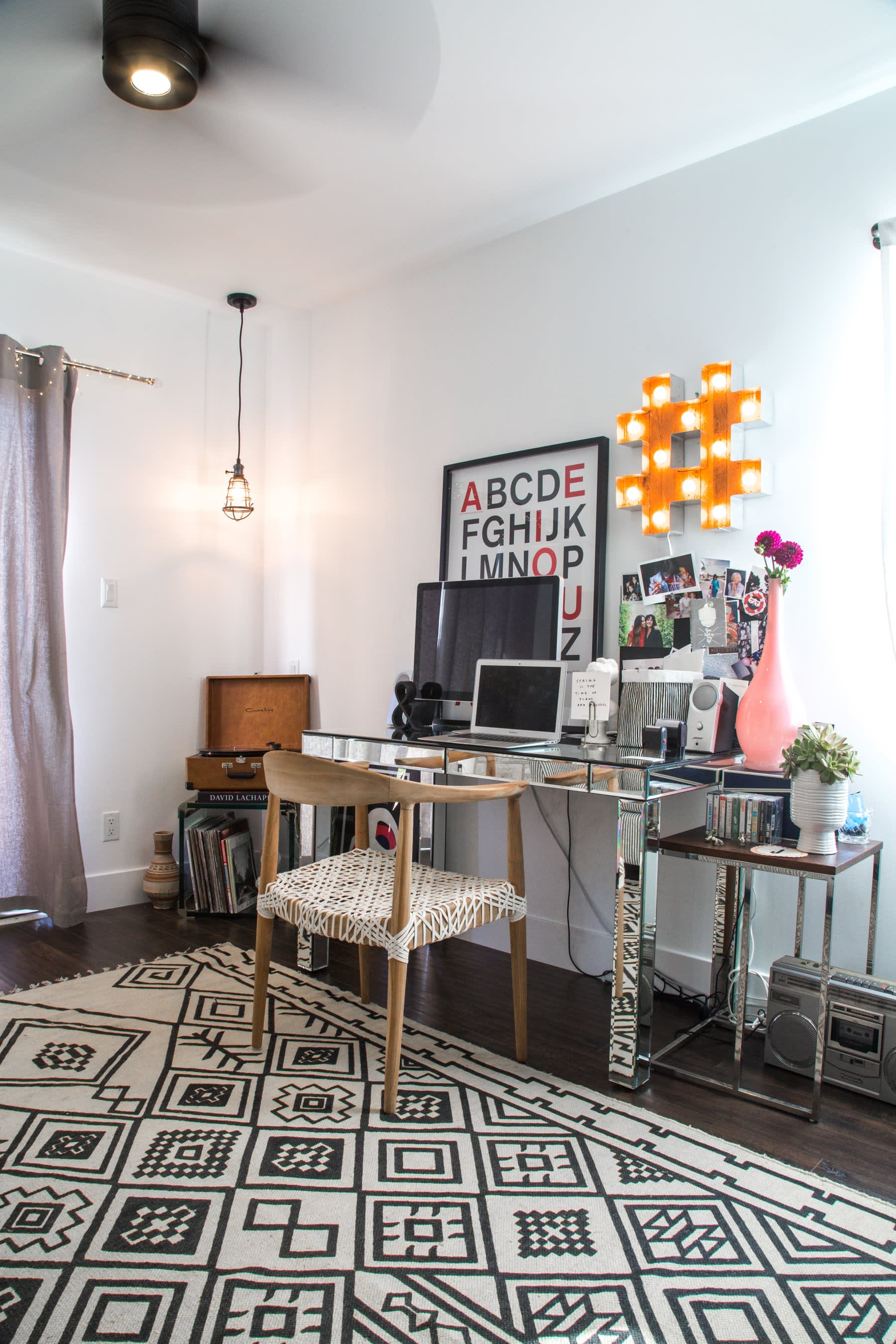 Jaclyn's Cozy Kitschy Silver Lake Home | Apartment Therapy