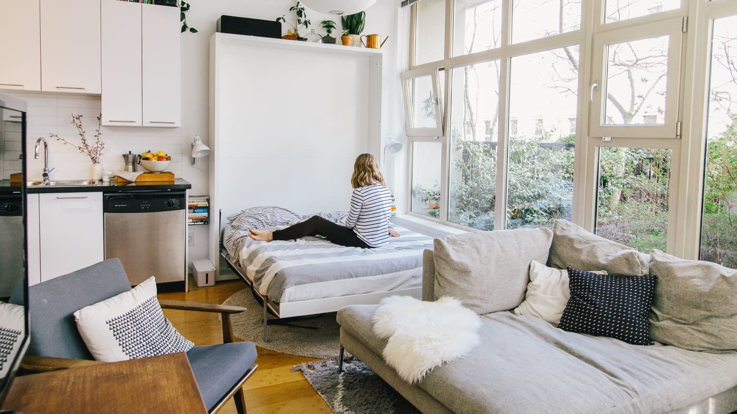 7 Chic Murphy Beds To Help You Fake A Guest Bedroom Apartment Therapy