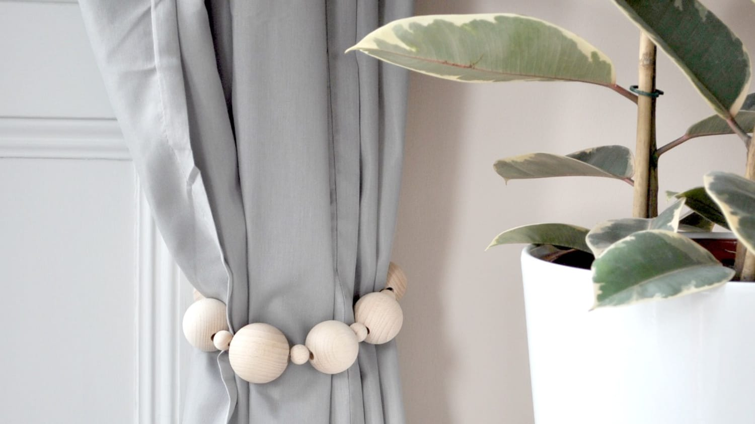Diy Curtain Tie Back Pull Back Projects Apartment Therapy