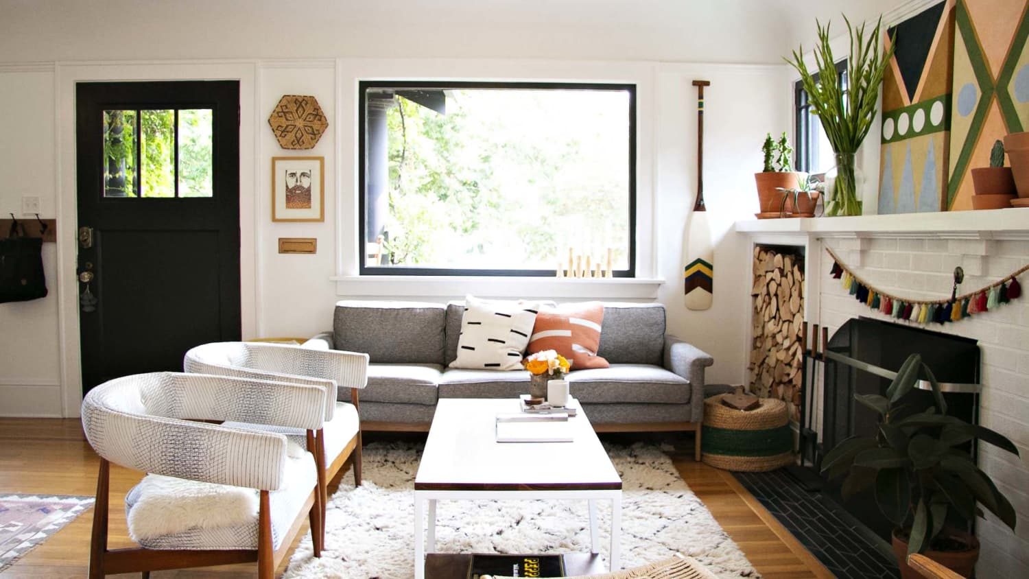 6 Things You Don T Actually Need On Your Coffee Table According To Home Stagers Apartment Therapy