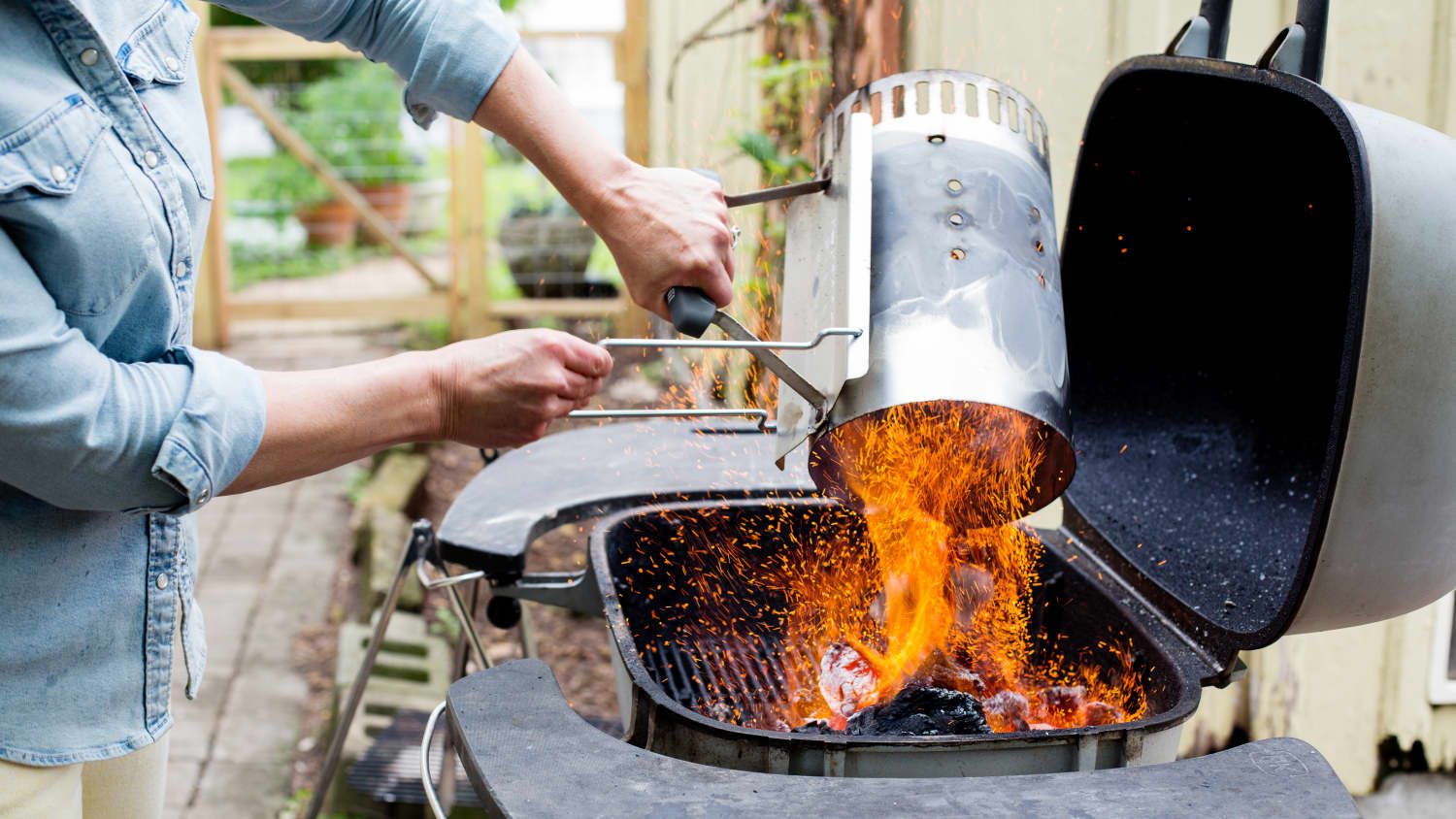 Everything To Know About Buying And Using A Charcoal Grill Kitchn