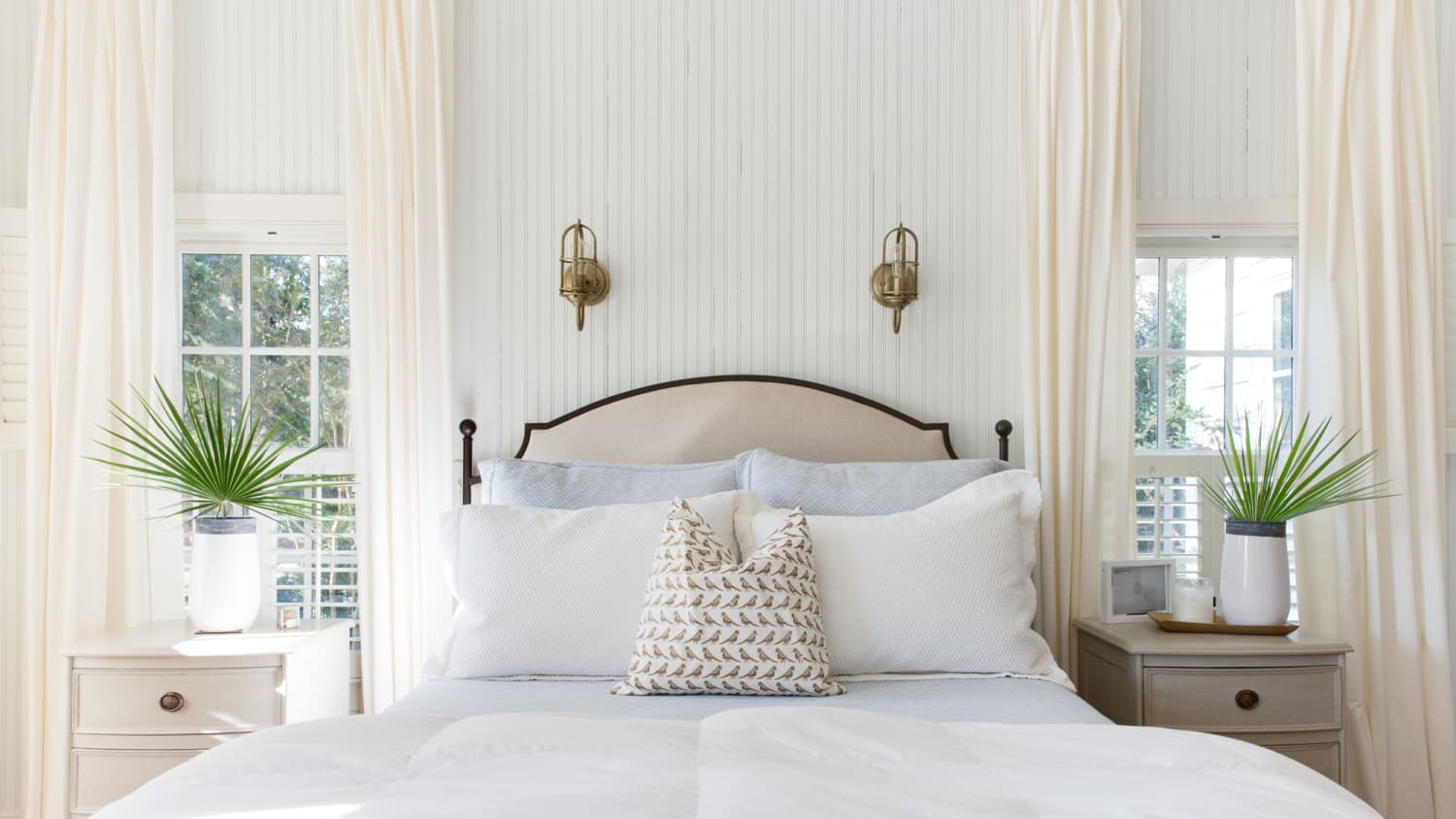 10 Ways To Make A Big Bedroom Feel Cozy Apartment Therapy