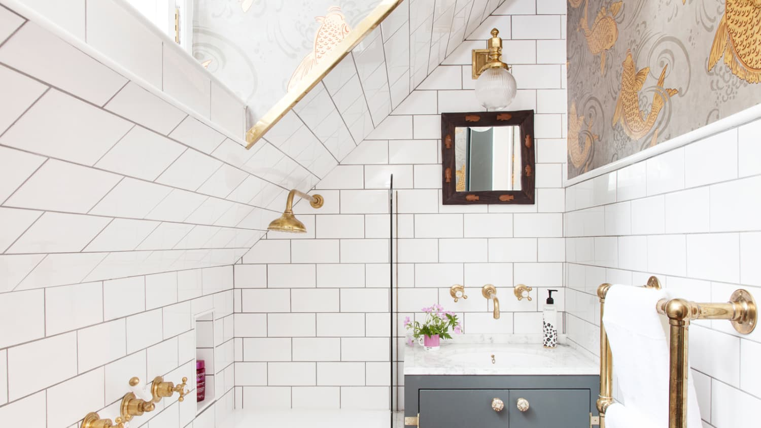 This One Tiny Tweak Will Make Your Small Bathroom Look So Much Bigger Apartment Therapy