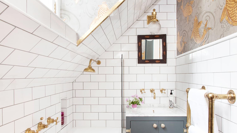 50 Best Small Bathroom Decorating Ideas - Tiny Bathroom ... Ranbow Painted Bathroom Designs on