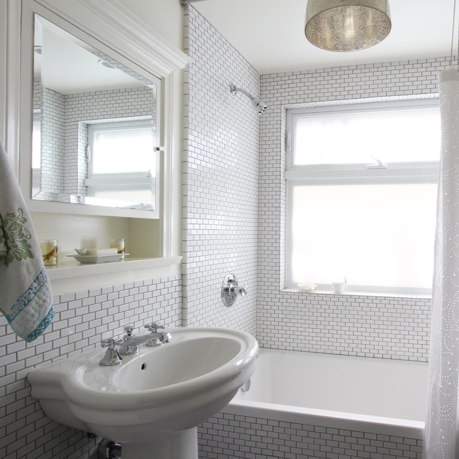 20 Small Bathroom Makeover Ideas And Before After Pictures Apartment Therapy