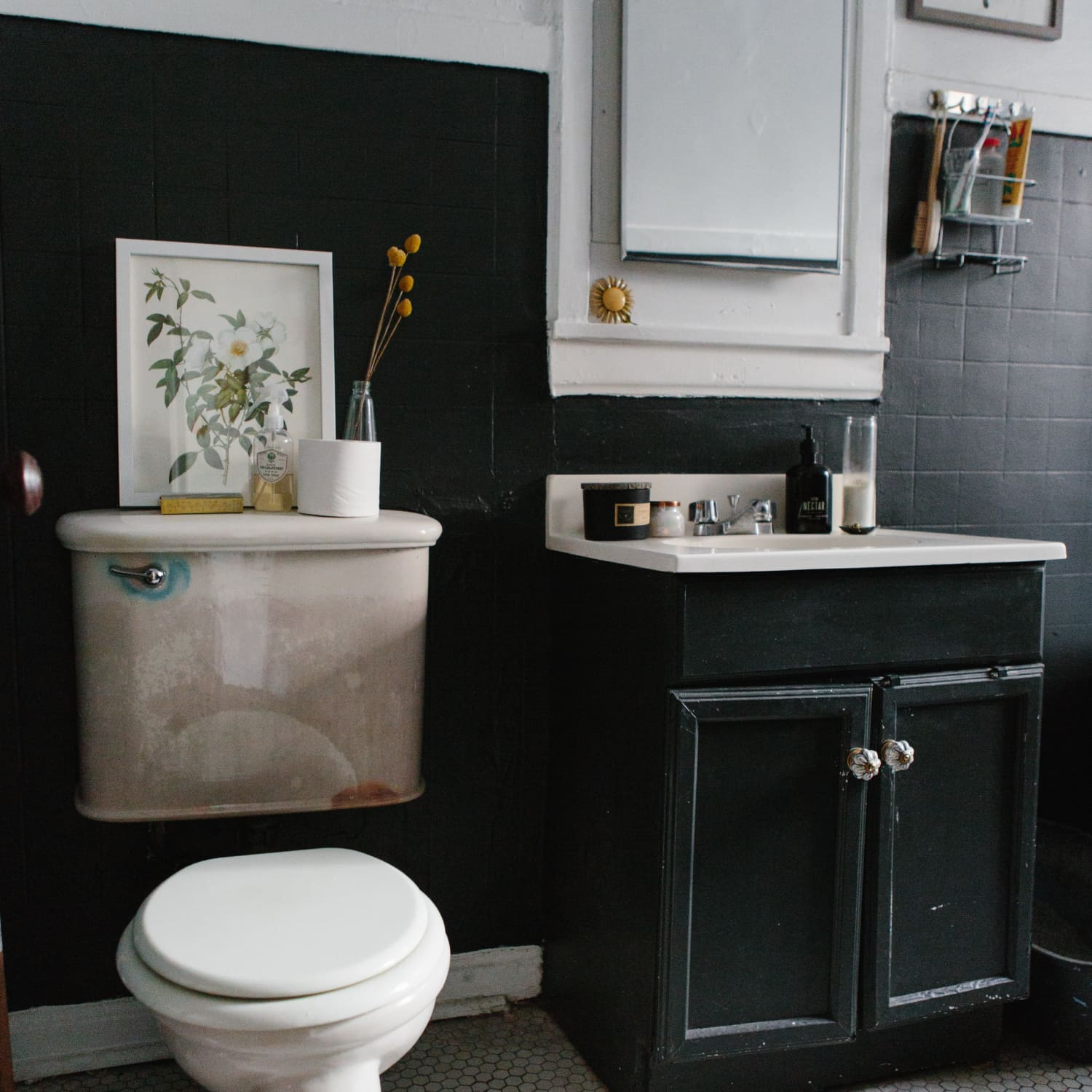 20 Reversible Ideas To Overhaul Your Rental Bathroom Now Apartment Therapy