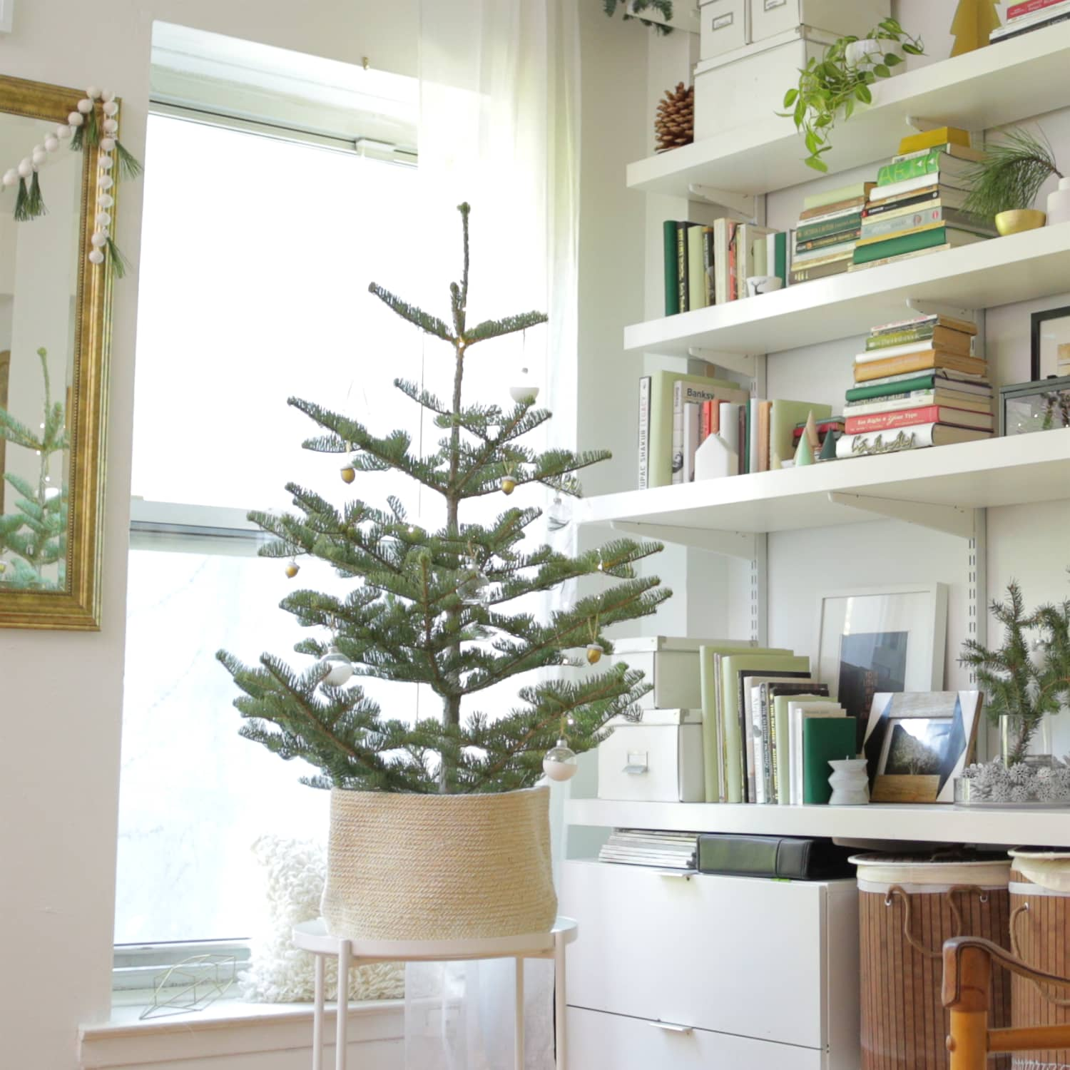 Christmas Tree Ideas For Small Spaces Apartment Therapy