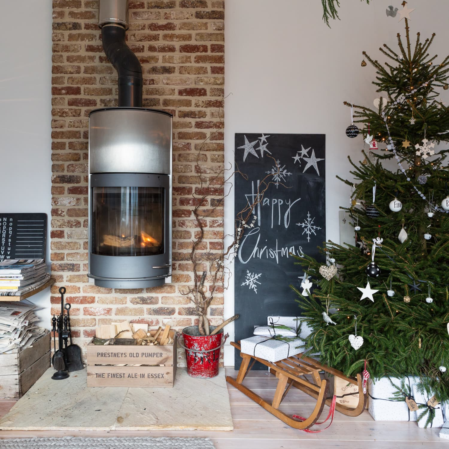 How To Decorate A Small Apartment Or Home For Christmas Apartment Therapy