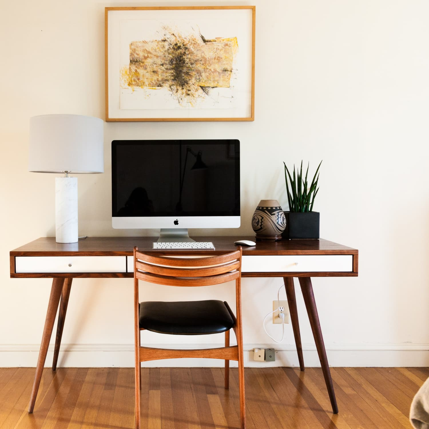 Image of: 10 Mid Century Modern Desks For Home Office Apartment Therapy