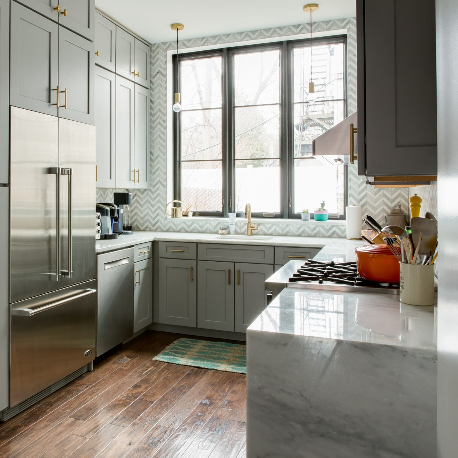 Why Kraftmaid Outlet Store Is Good For Cheap Kitchen Cabinets Apartment Therapy