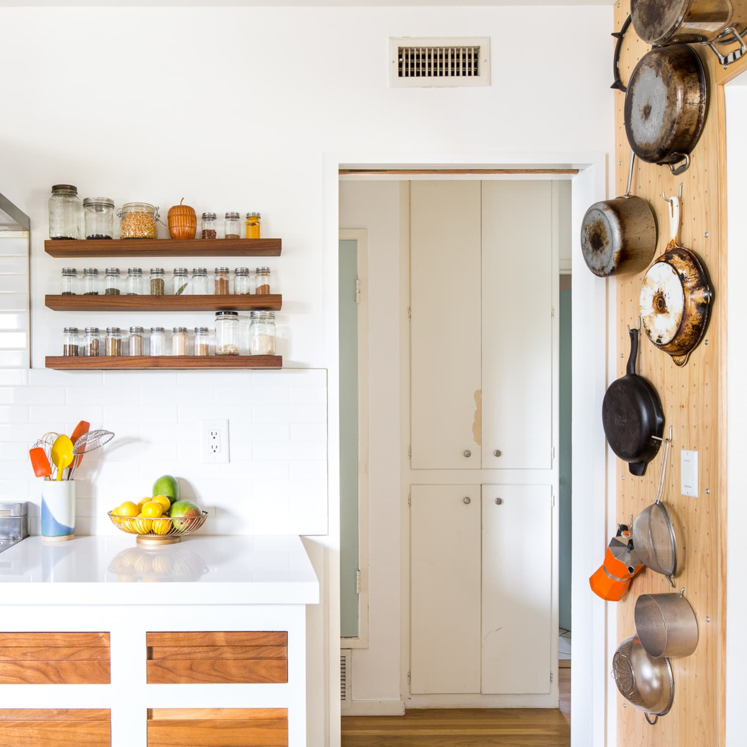 23 Clever Ideas For Kitchen Counter Organization Apartment Therapy