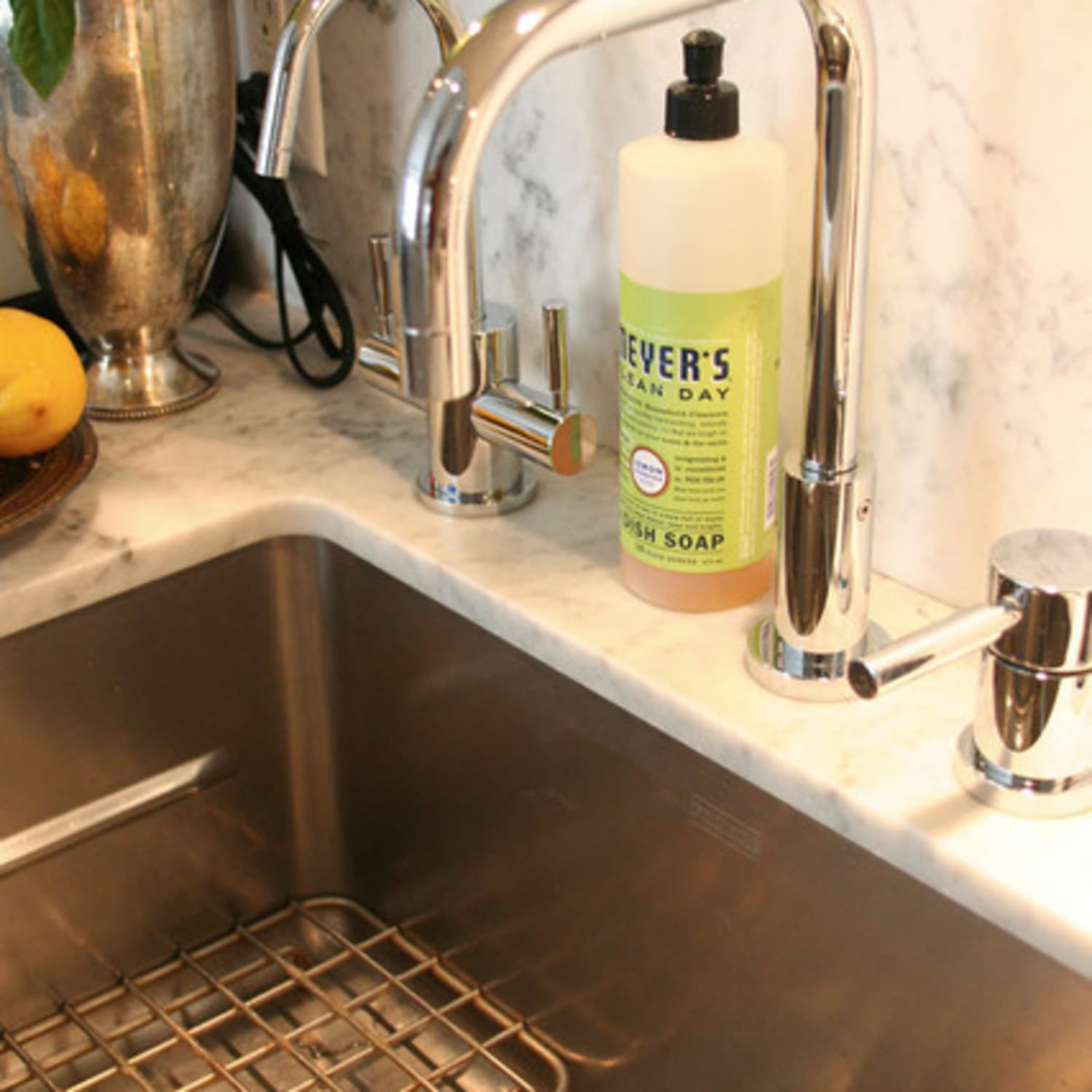 Picture of: 6 Things You Need To Know About Undermount Kitchen Sinks Kitchn