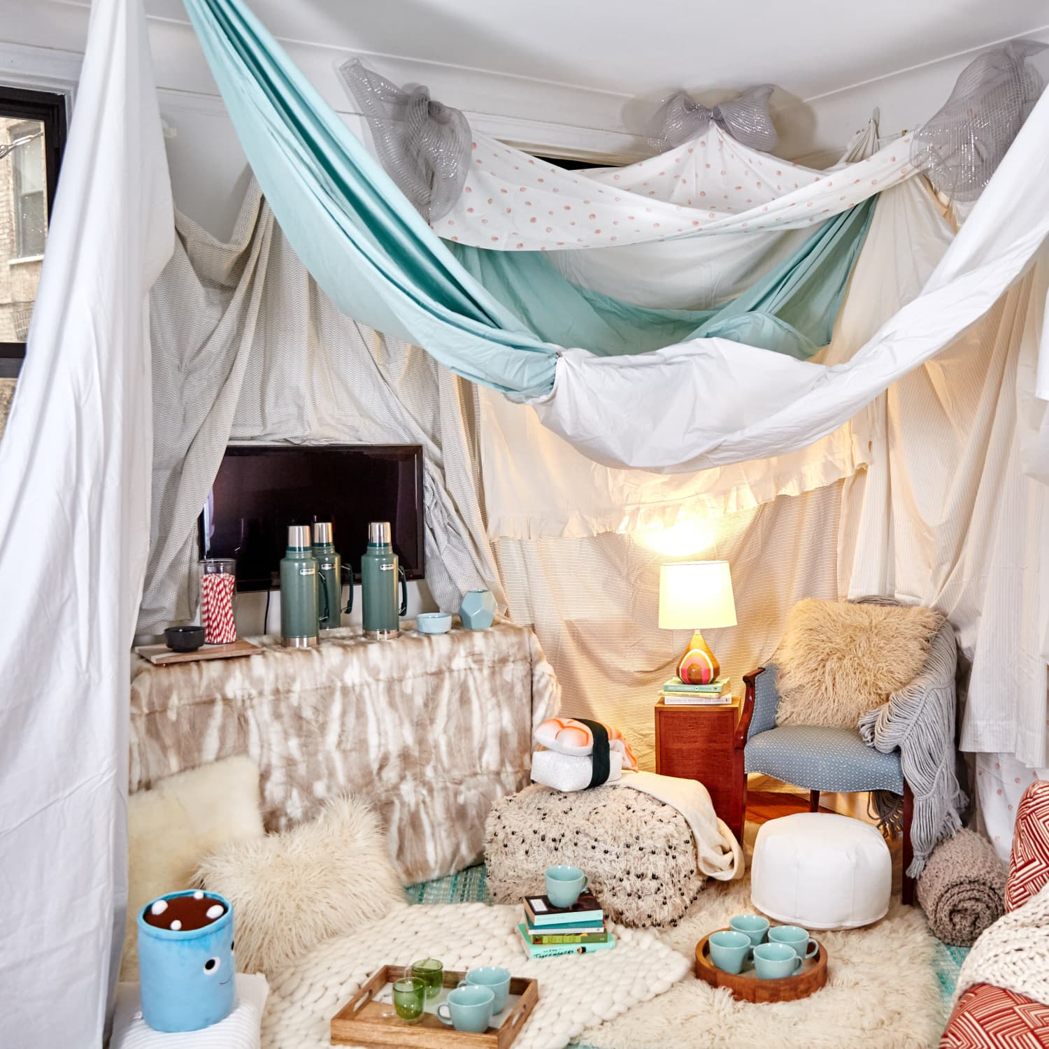 An Interior Designer S Tips For Building An Awesome Indoor Fort Kitchn