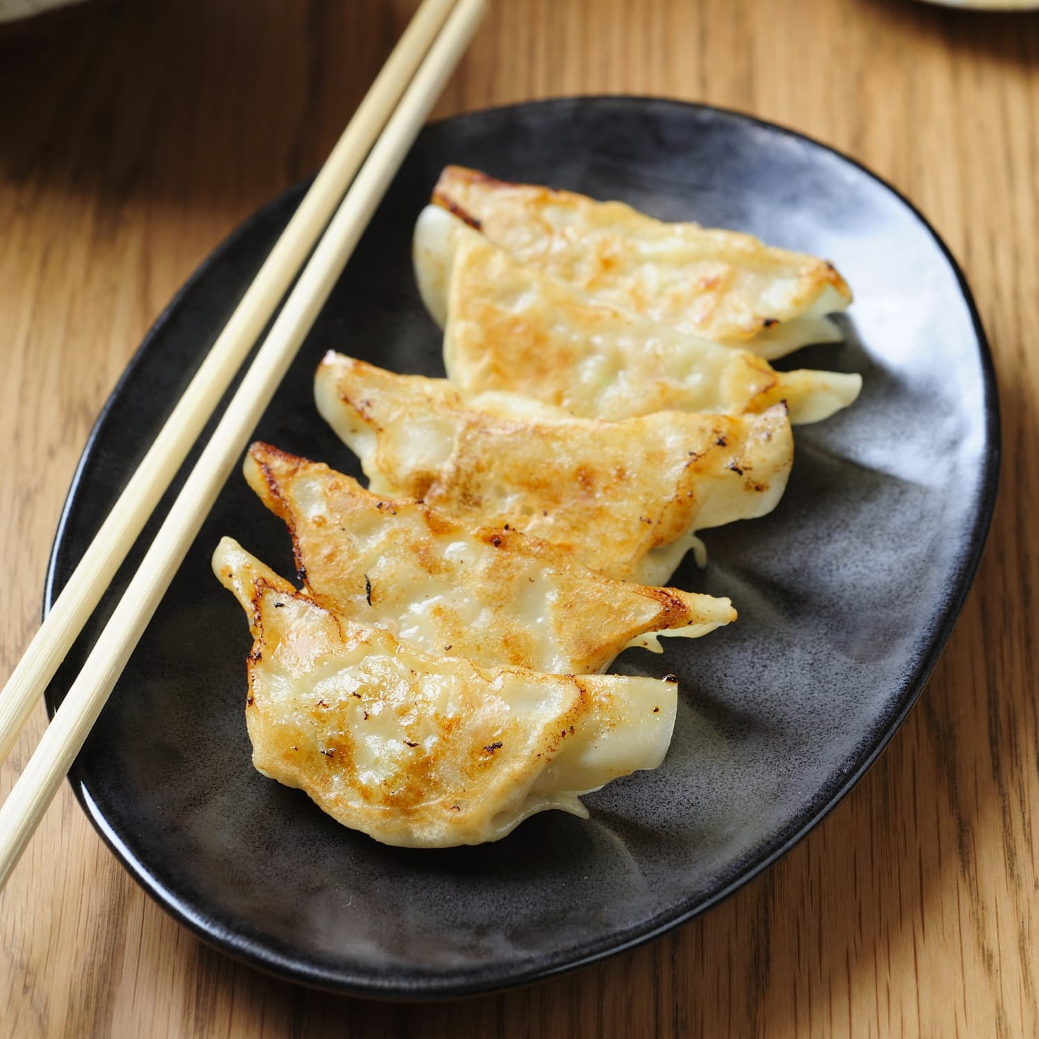 What S The Difference Between Gyoza And Potstickers Kitchn
