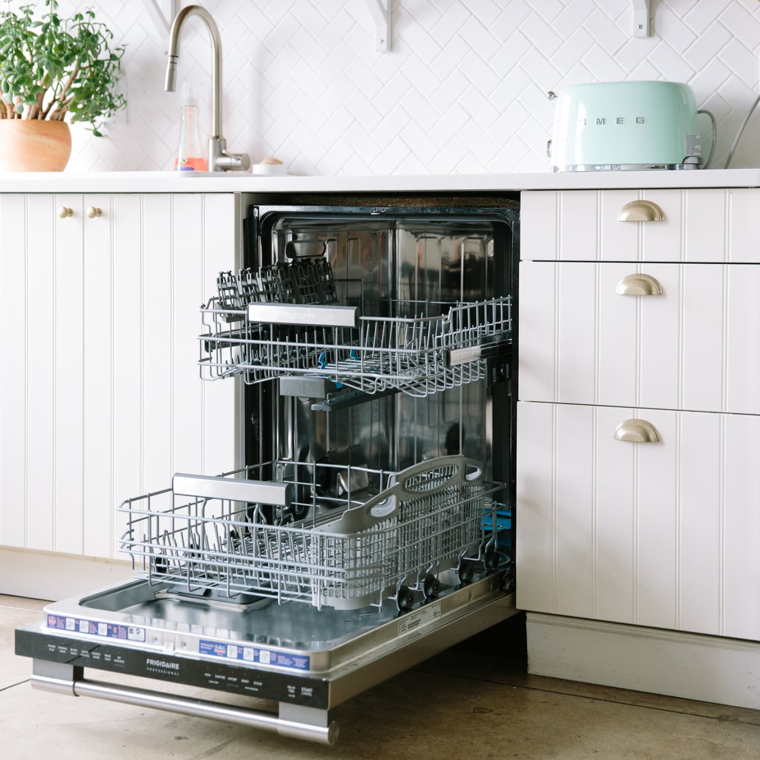 Avoid These 8 Common Dishwasher Mistakes Apartment Therapy