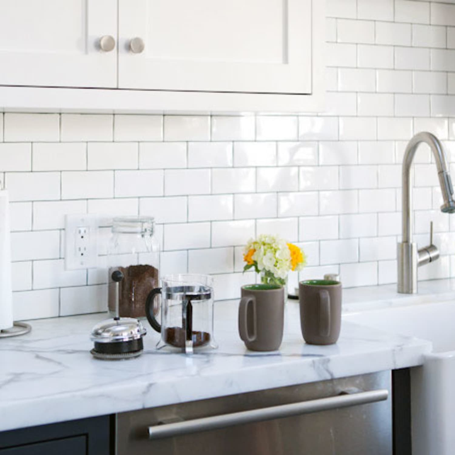 Would I Be Crazy To Choose Marble Countertops For My Kitchen Marble Countertop Pros And Cons Kitchn