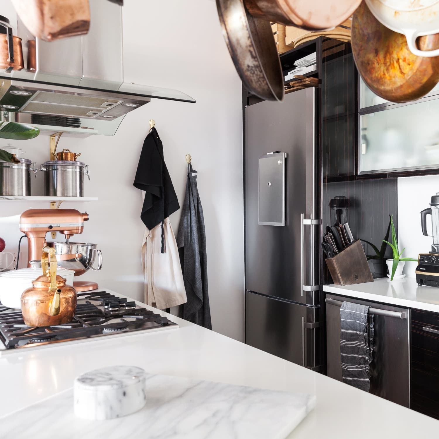 18 Industrial Kitchen Ideas Photos Of Cool Industrial Style Kichens Apartment Therapy