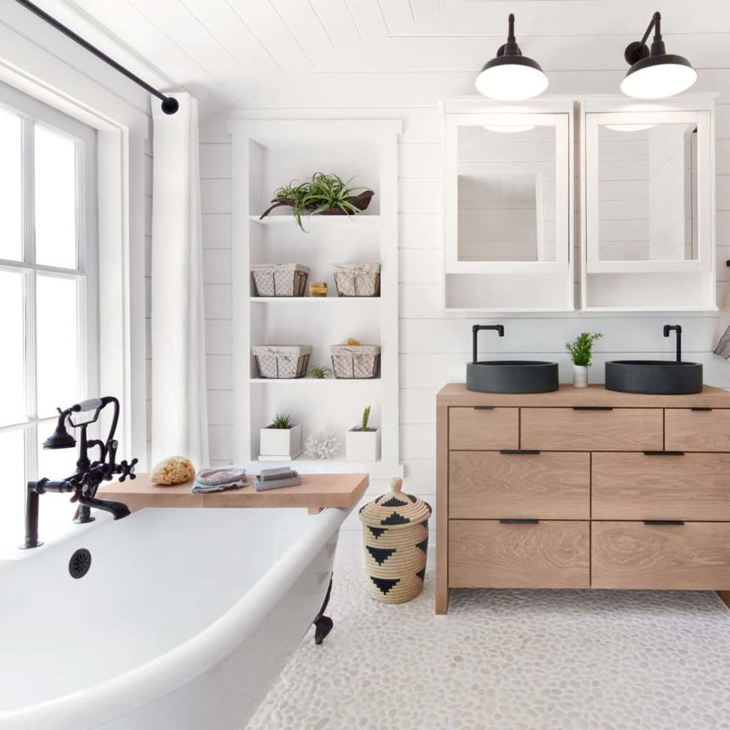 Marvelous Outdated Bathroom Trends According To Real Estate Agents Pabps2019 Chair Design Images Pabps2019Com