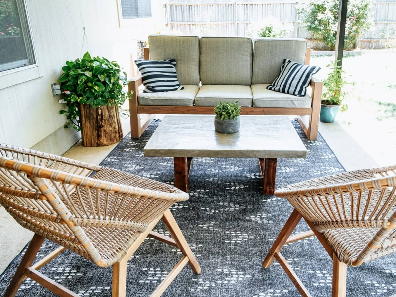 Picture of: 14 Diy Coffee Table Ideas Easy Ways To Build A Coffee Table Apartment Therapy