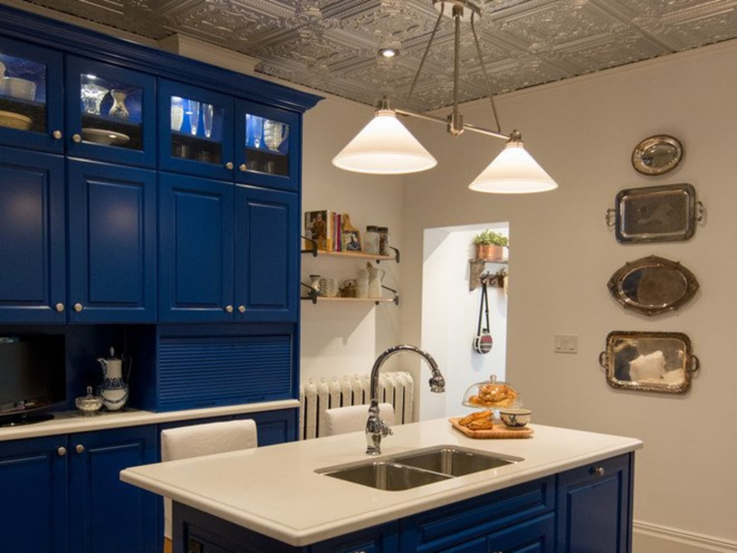 - 8 Shining Examples Of Tin Tiles In The Kitchen Kitchn