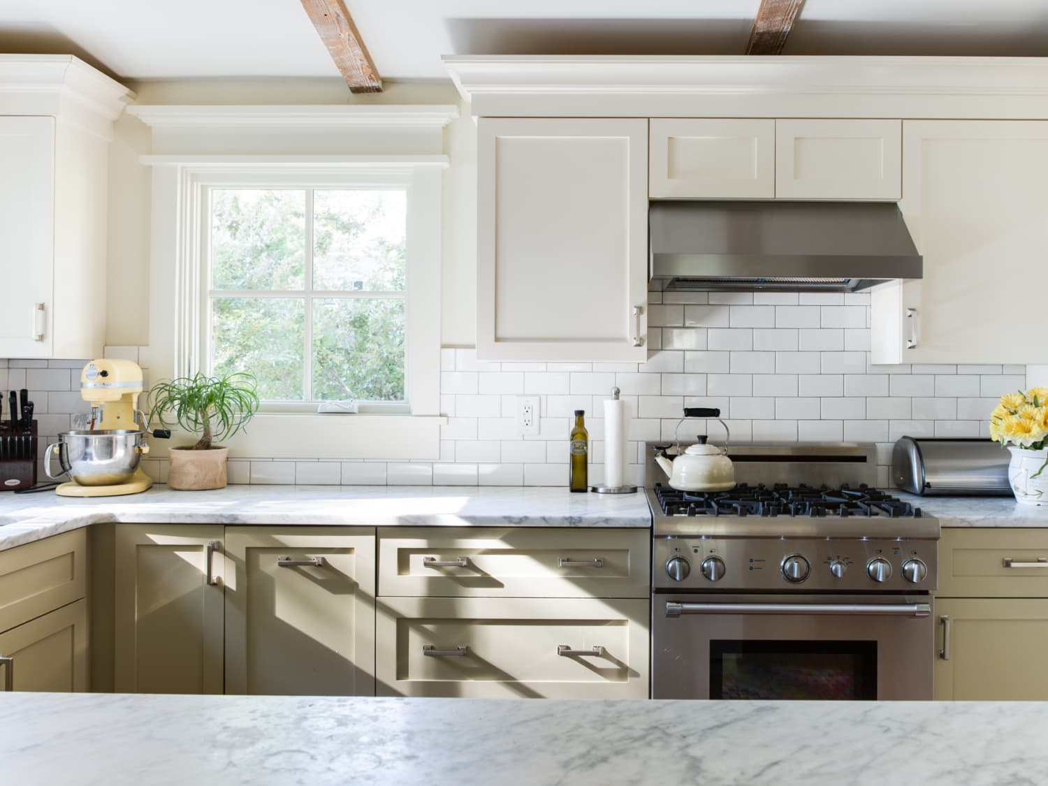 How To Choose Kitchen Cabinet Hardware  Apartment Therapy