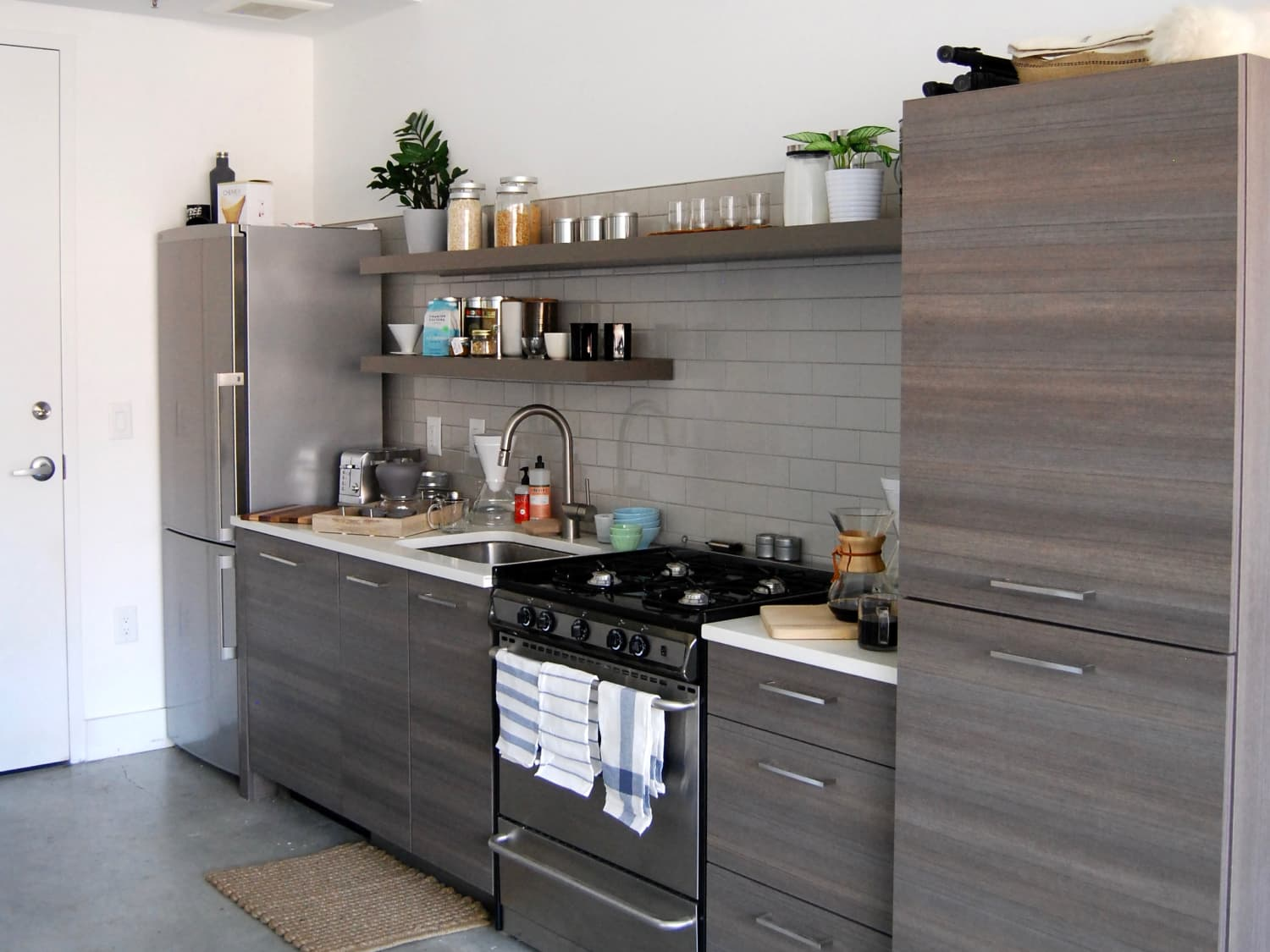 5 Ways To Decorate A Windowless Kitchen Wall Kitchn