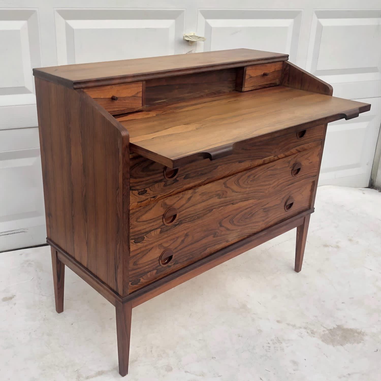 Wooden Desks You Can Shop on Bazaar