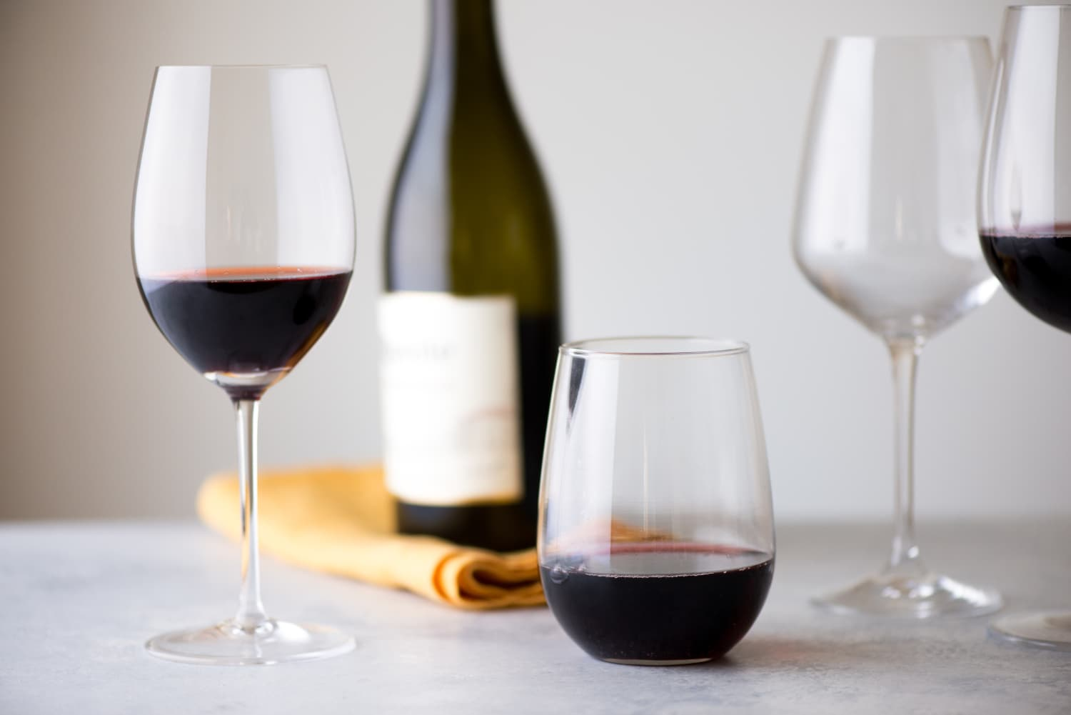 "This $10 Wine from Aldi Just Won ""Best Wine of 2020"""