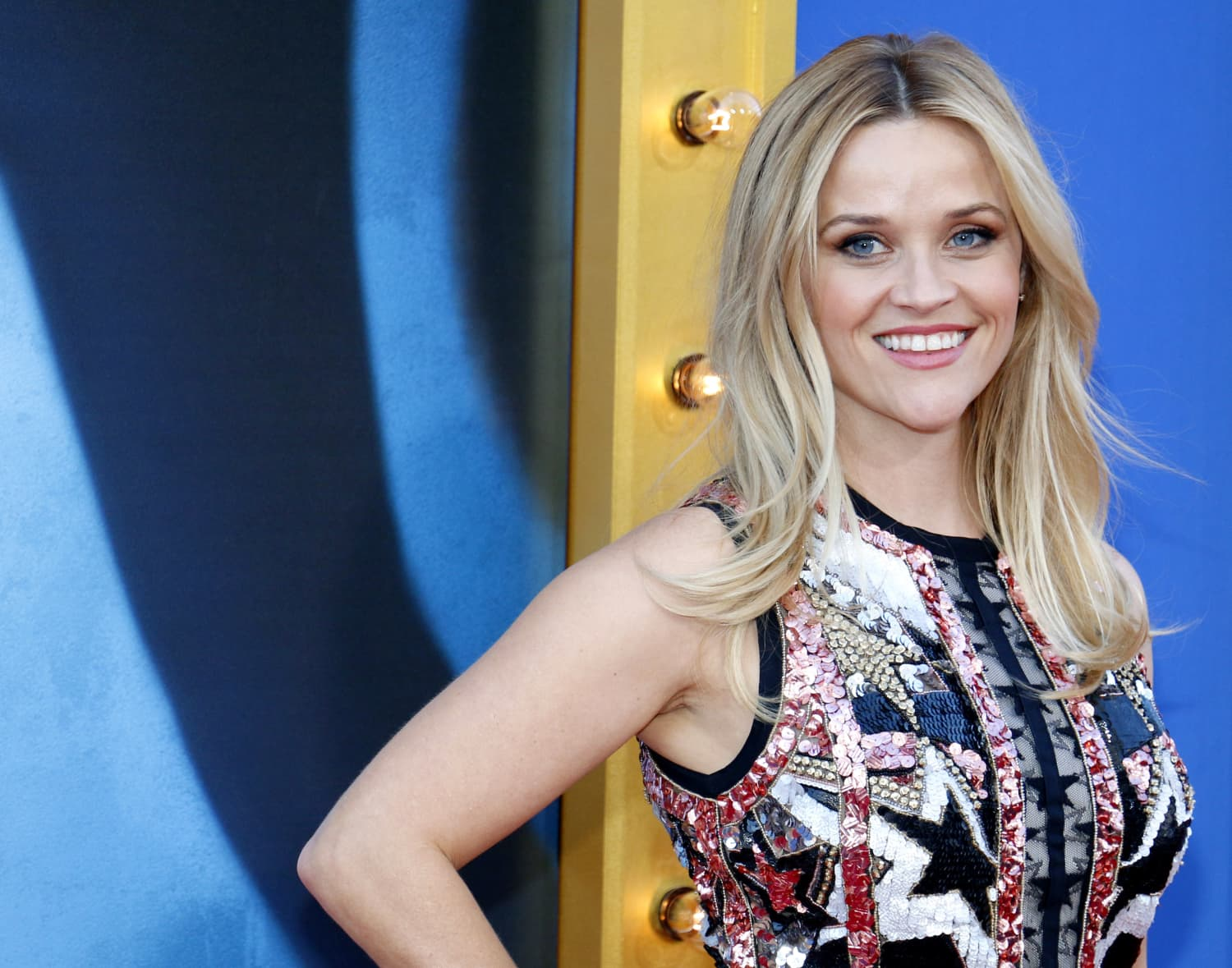Reese Witherspoon's Kitchen Looks Like It's Right Out Of An English Country Cottage
