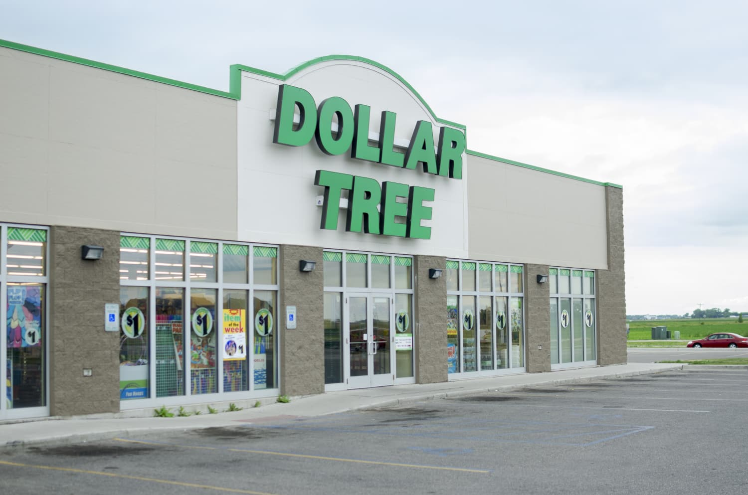 5 Things Every Homeowner Needs from The Dollar Store, According to Maintenance Experts