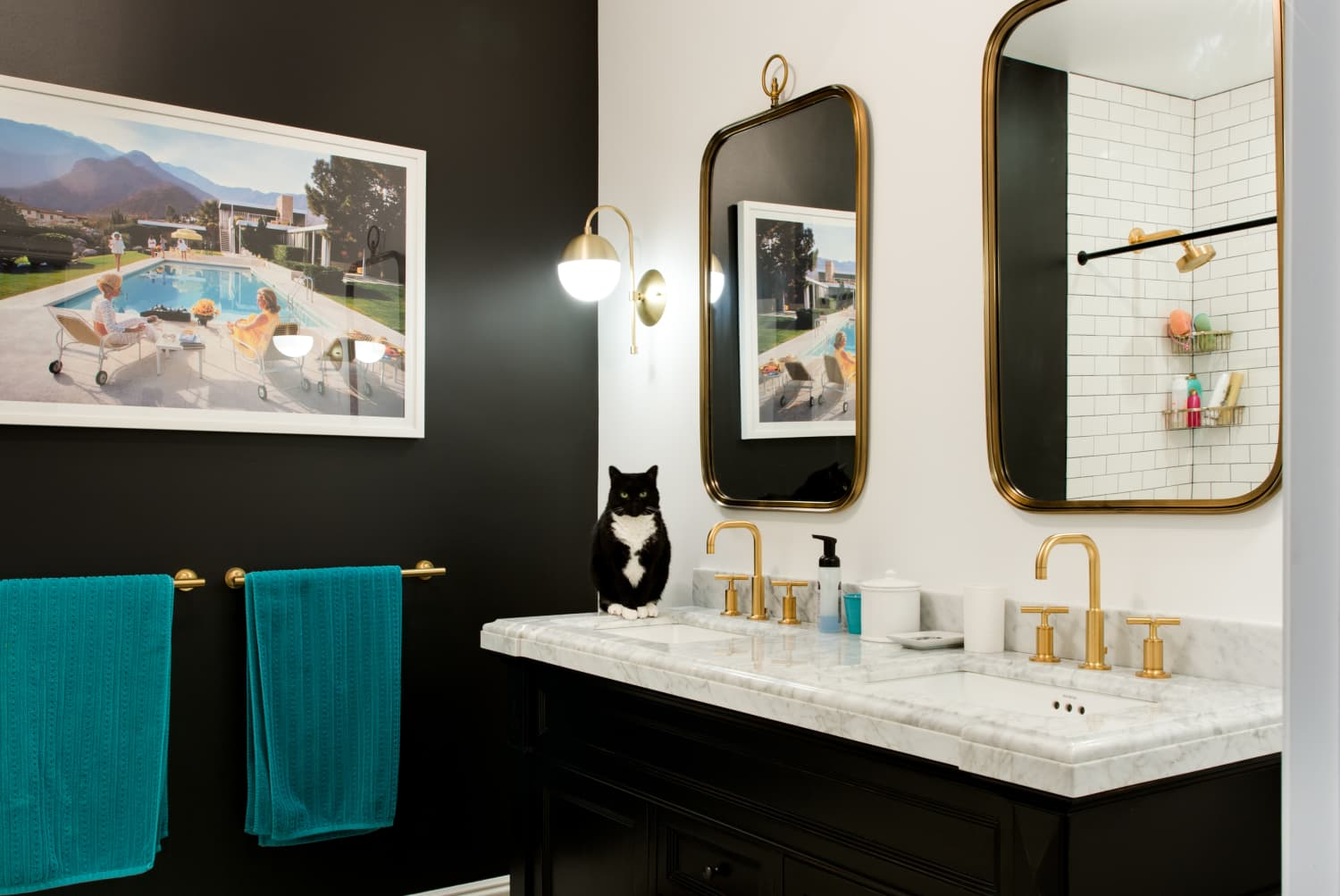 It's Official: 2020 is All About Embracing Black Bathrooms