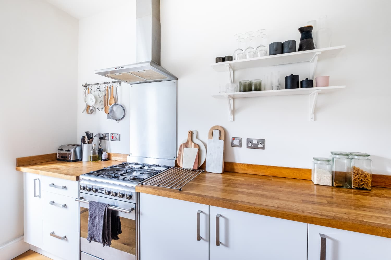 5 Things People with Perpetually Clean Kitchens Always Do