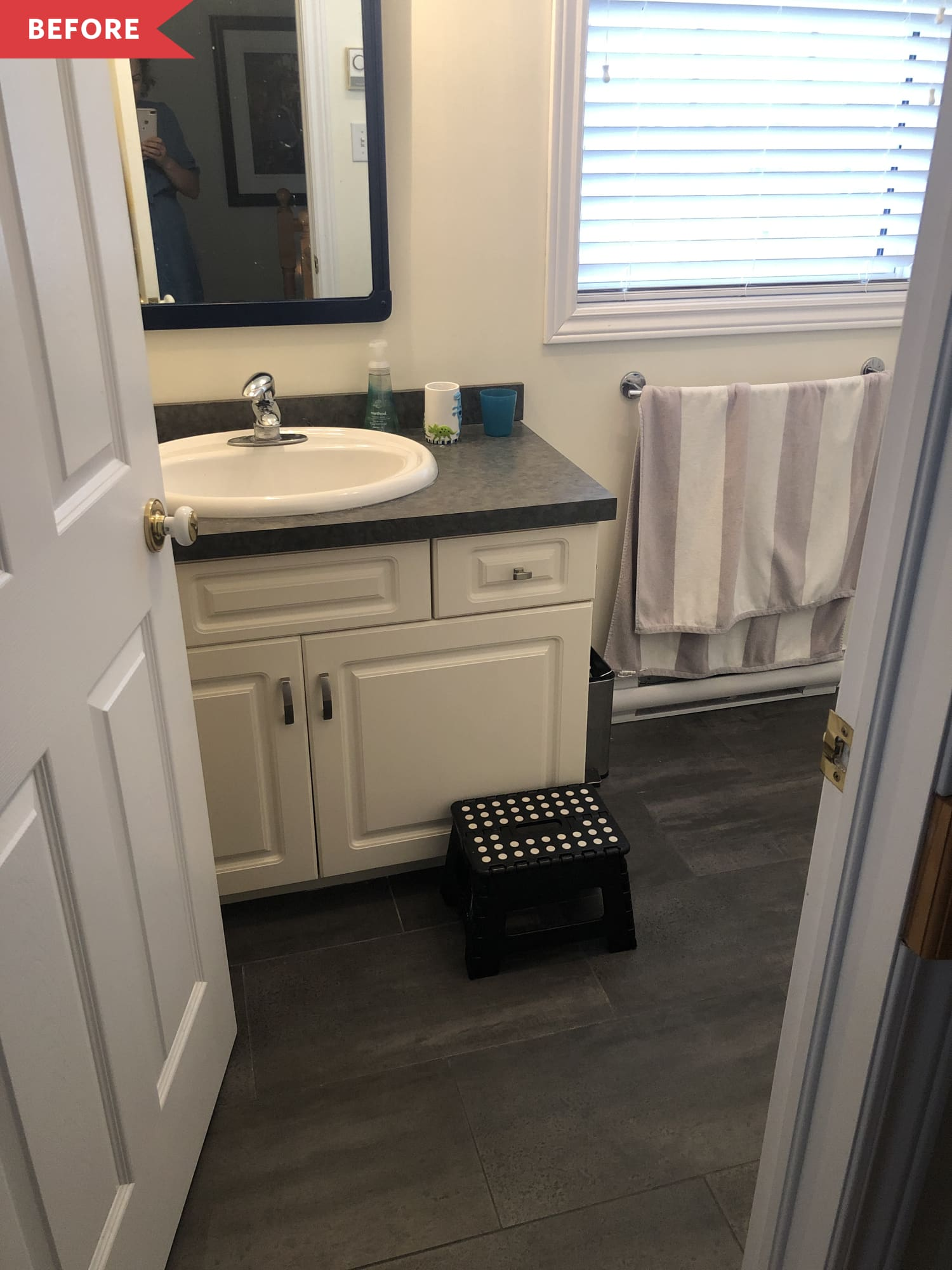 Before and After: This Bathroom Refresh Shows What $100 Can Really Do