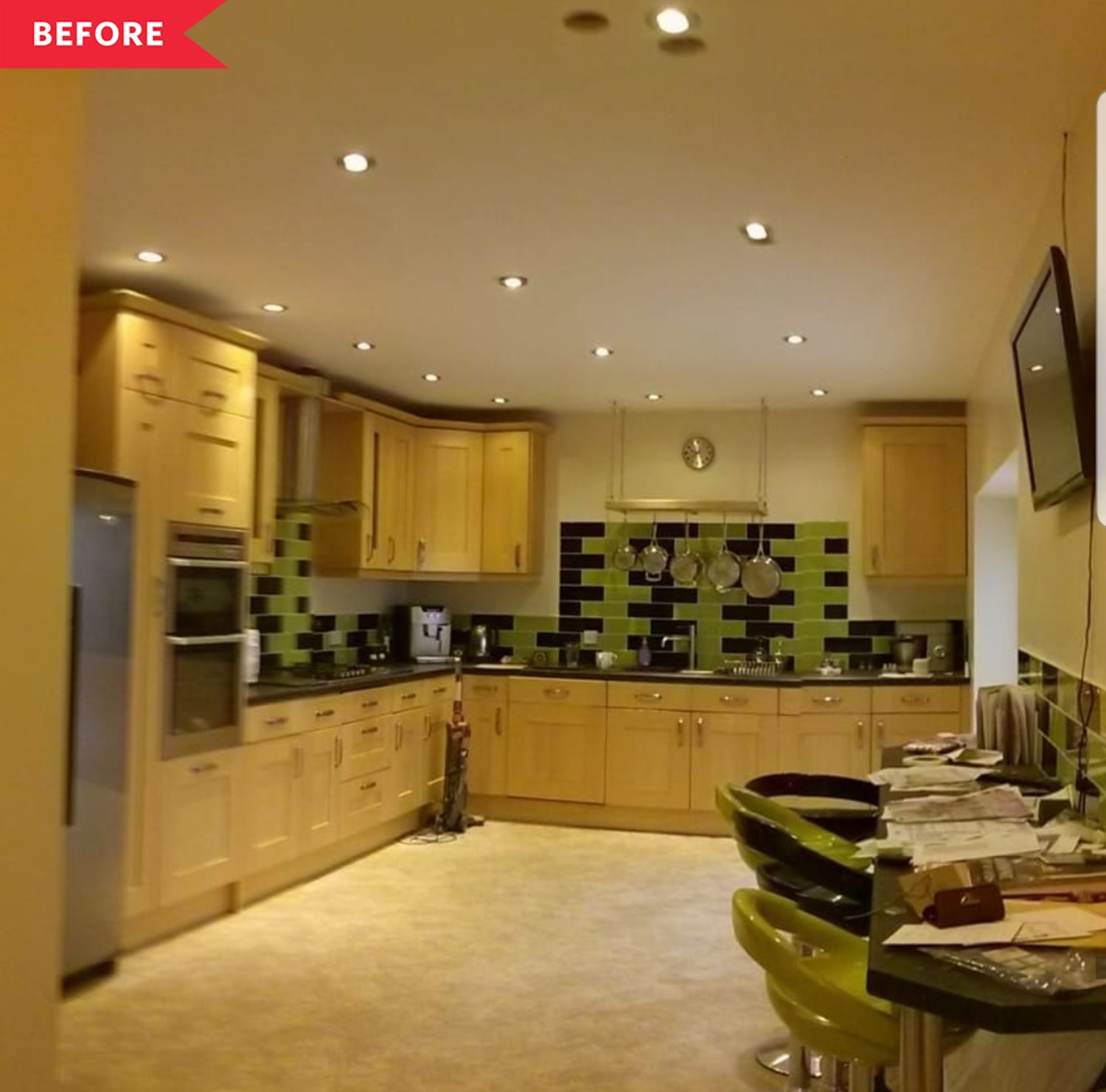 Before & After: A Few Tiny Tweaks Gave This Kitchen a Majorly Happy New Look