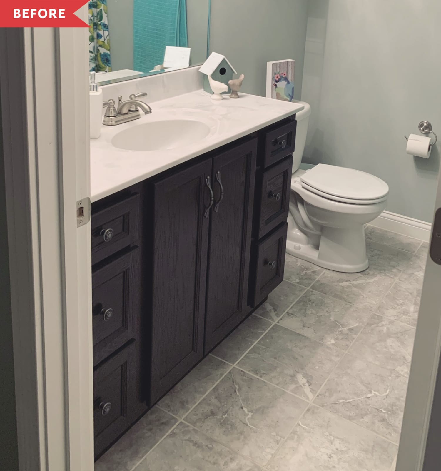 Before and After: This Funky $100 Bathroom Redo Uses Paint in Cool, Surprising Ways