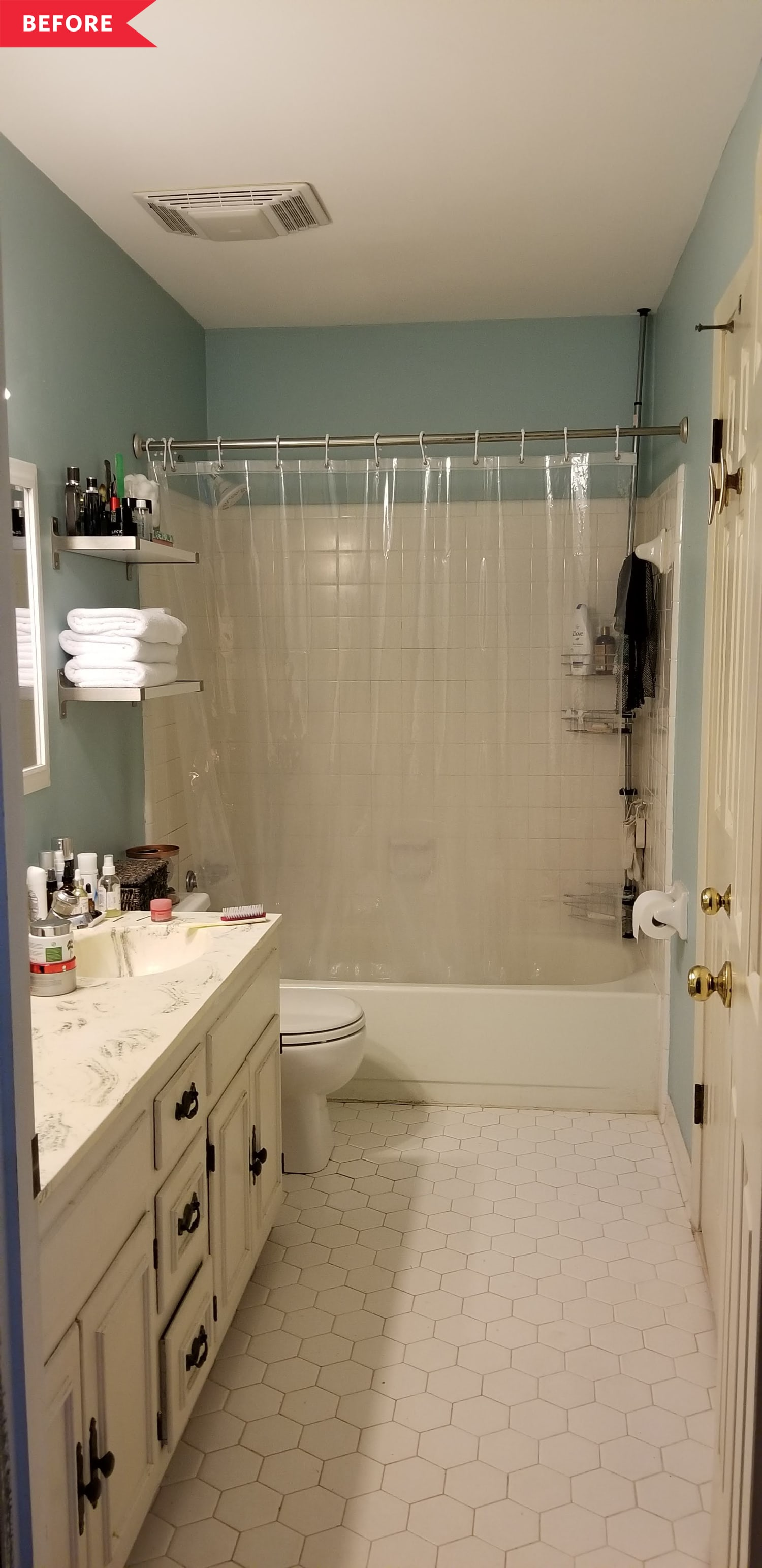 Before and After: A Dark Bathroom Redo That Looks Ultra High-End