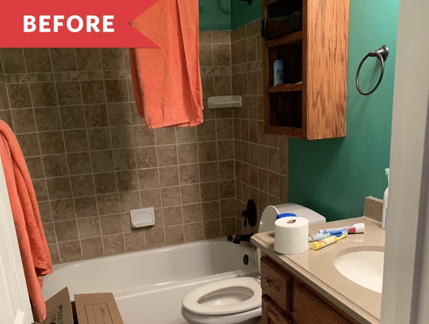 Before and After: Paint Is the Star in This $250 Bathroom Refresh