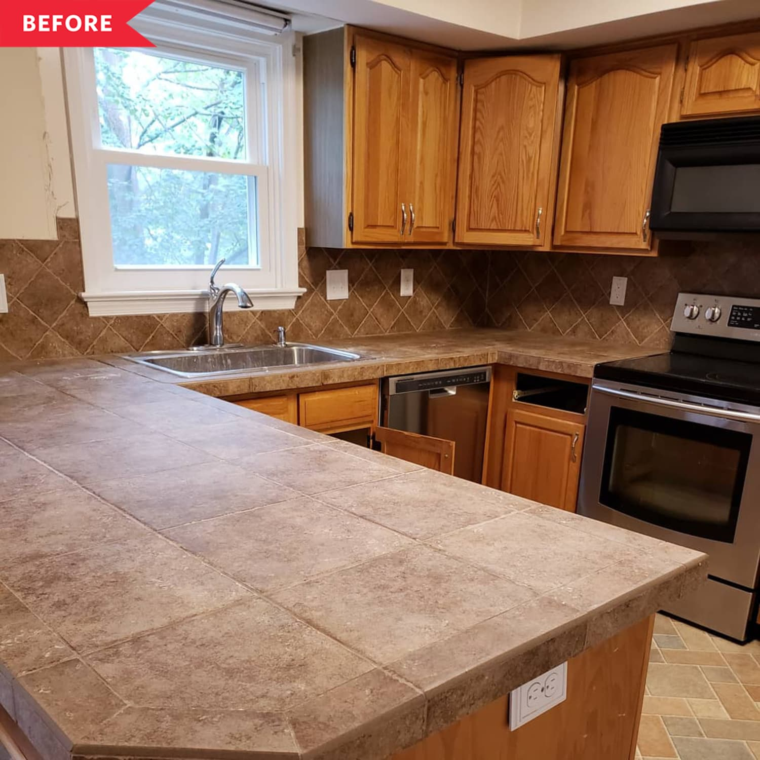 Before & After: This Kitchen Layout Stayed the Same Size, but the Room Now Looks Twice as Big