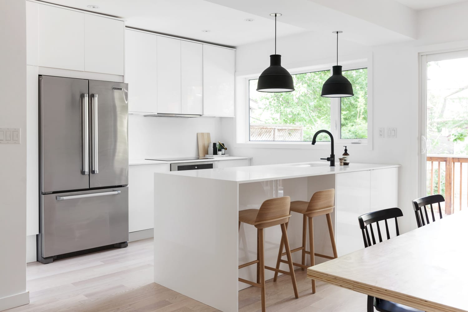The 10 Commandments of Minimalist Kitchens