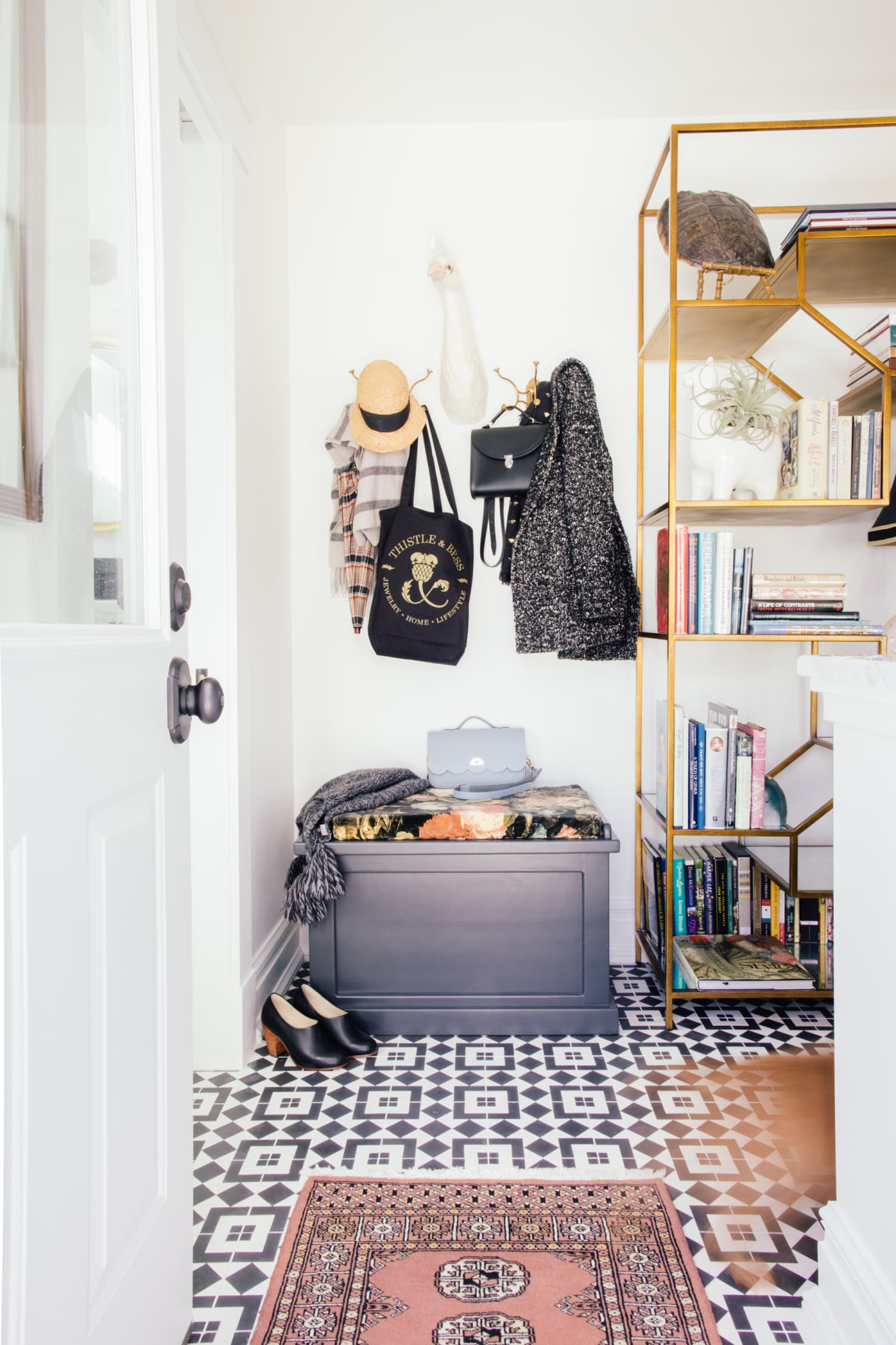 8 Smart Ways to Lay Out Your Entryway