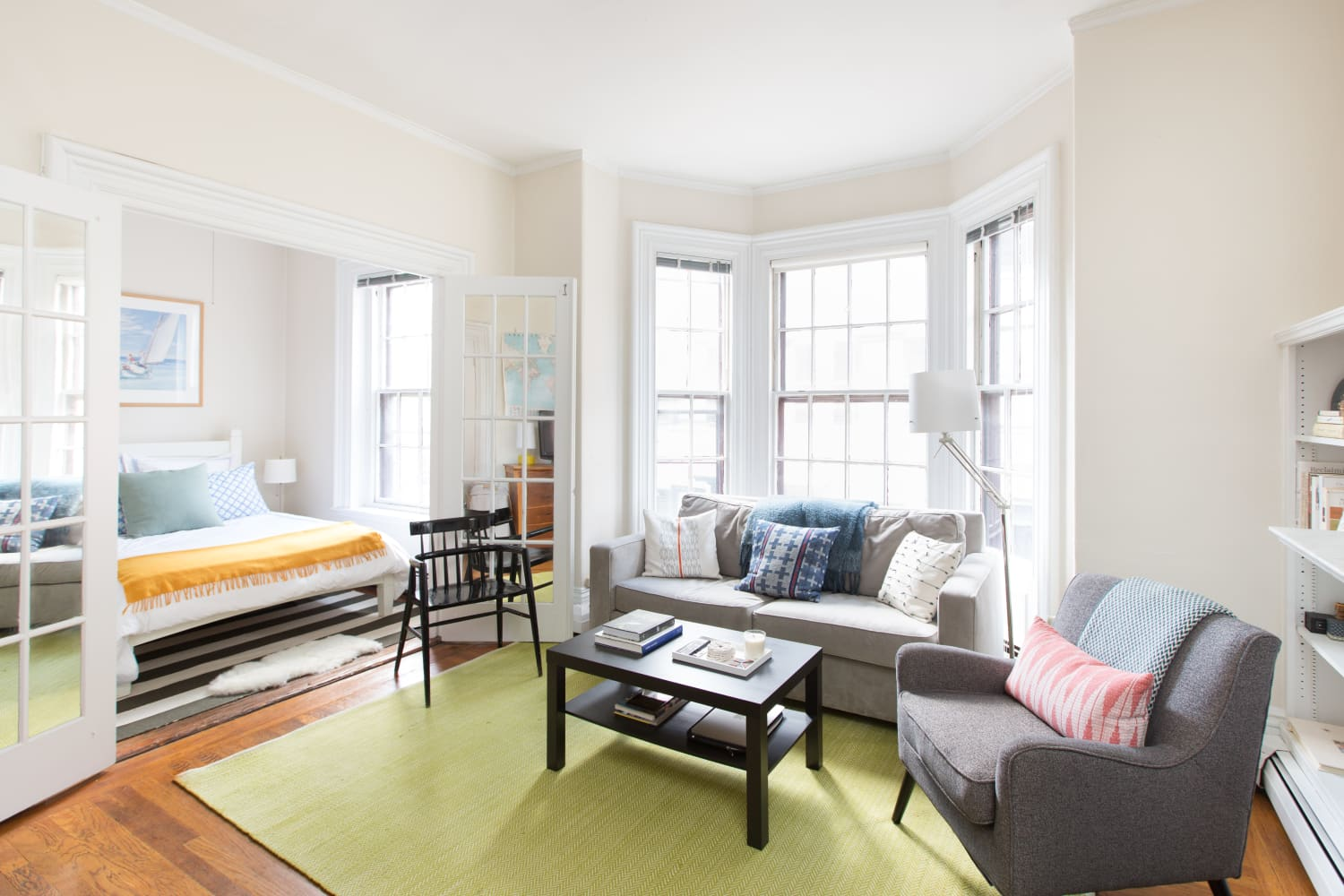 A Checklist to Hosting Overnight Guests When You Live in a Tiny Apartment