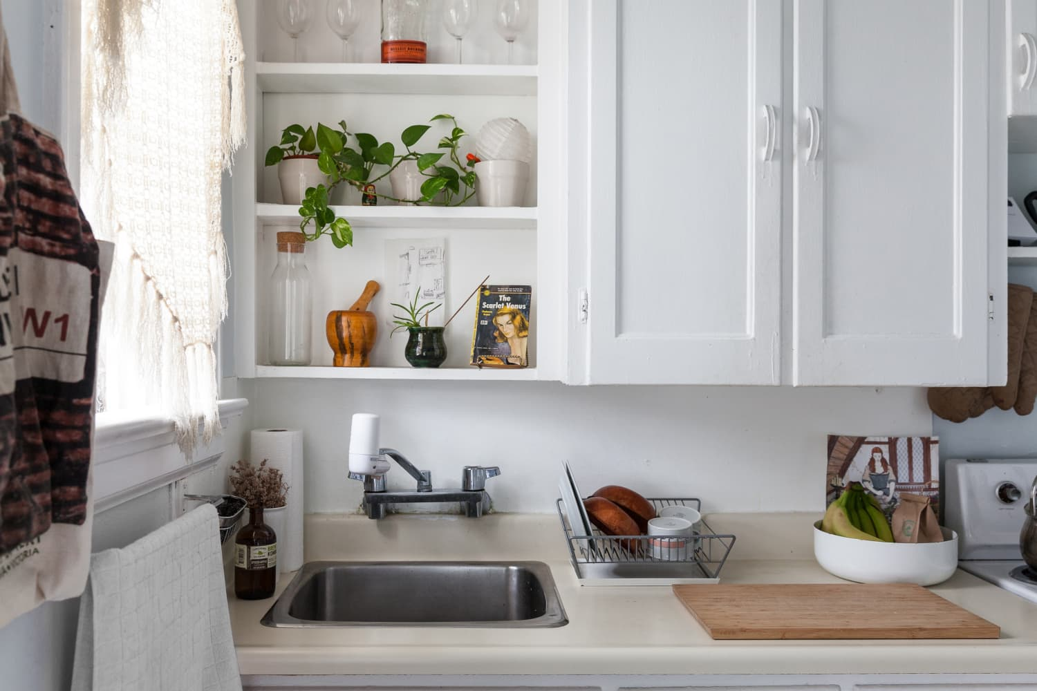 6 Organizing Mistakes That Make Your Kitchen Feel More Cluttered than It Is